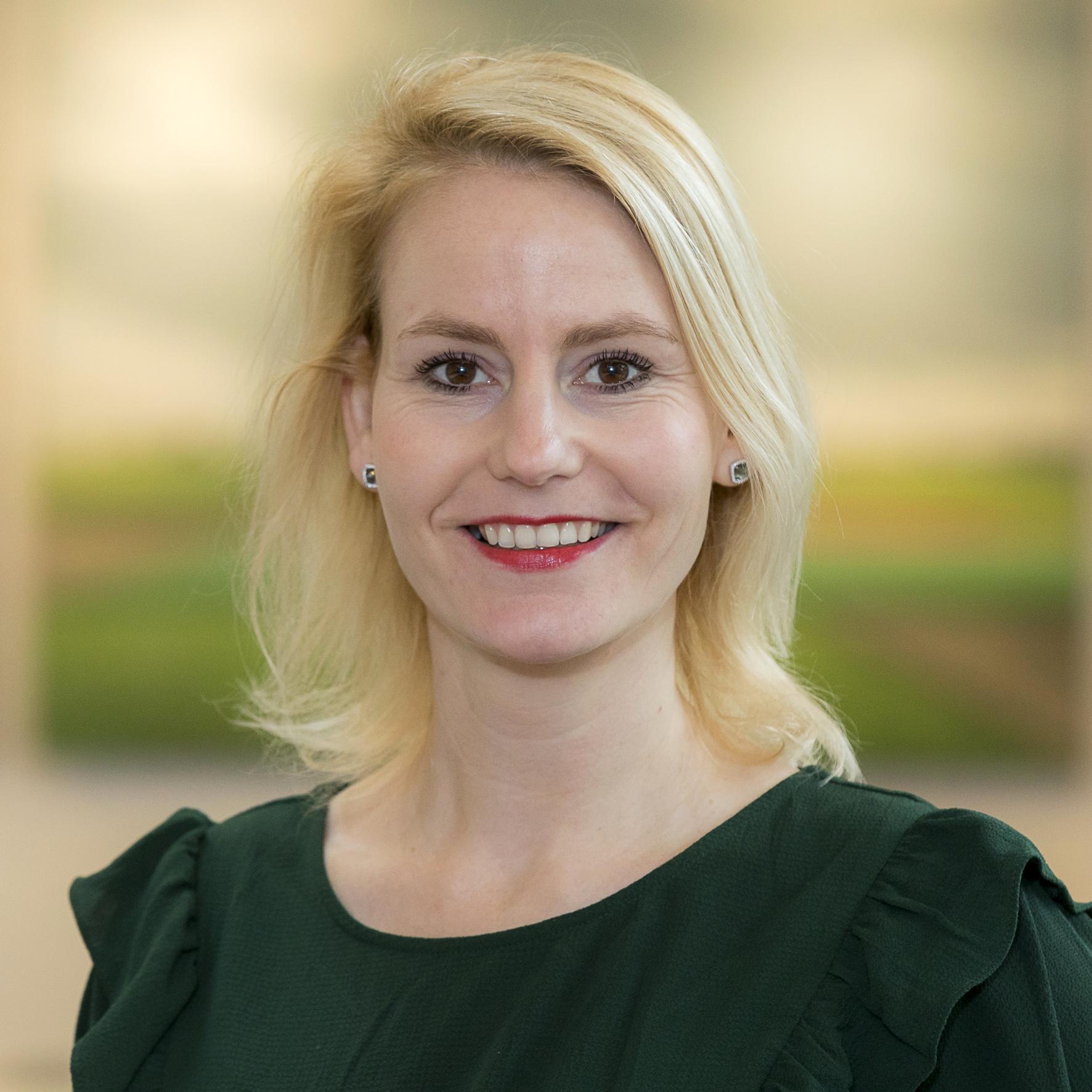 Lissese wethouder Jeanet van der Laan thuis met corona