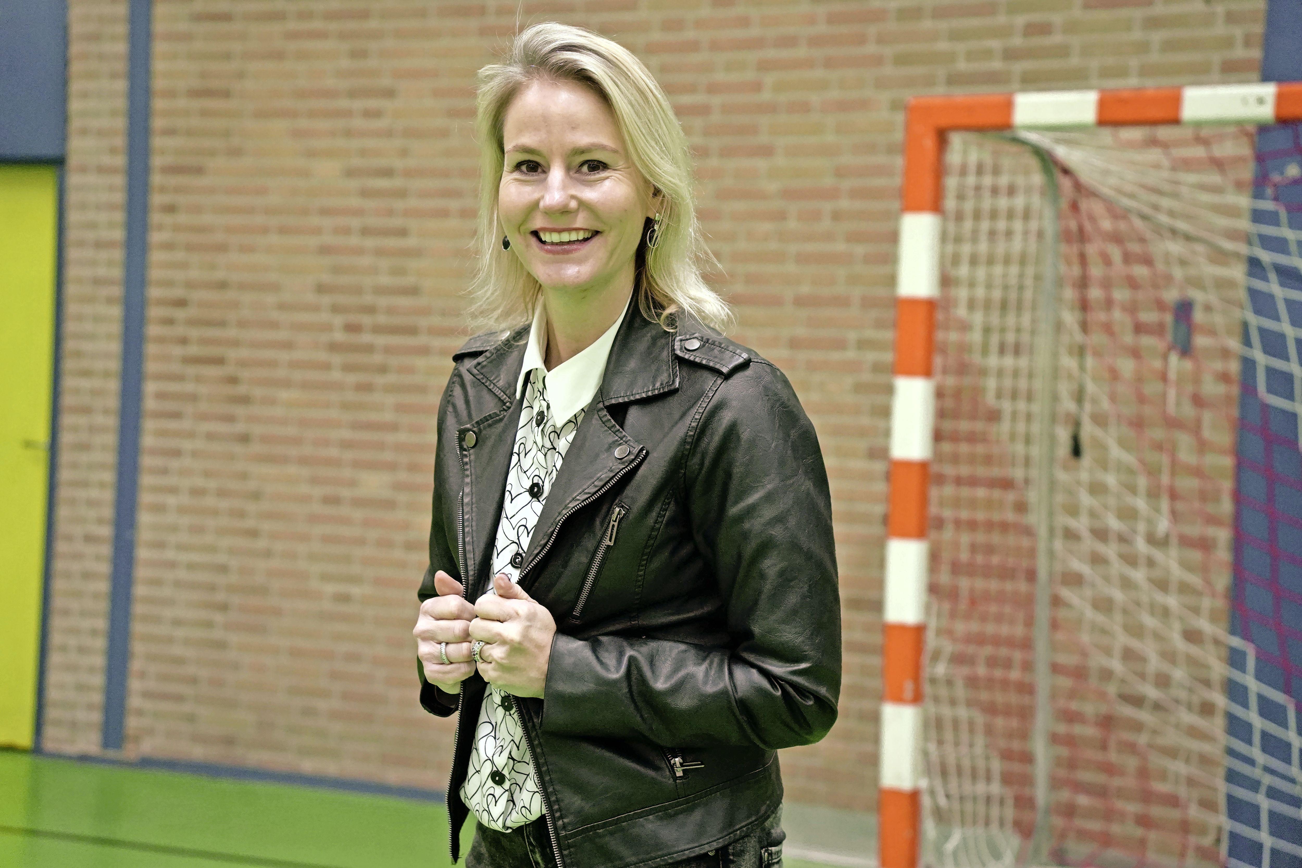 Jeanet van der Laan (41) hoopt een Kamerzetel te veroveren en gaat zich dan hardmaken voor sportbeleid. Plus: een overzicht van andere topsporters in de politiek [video]