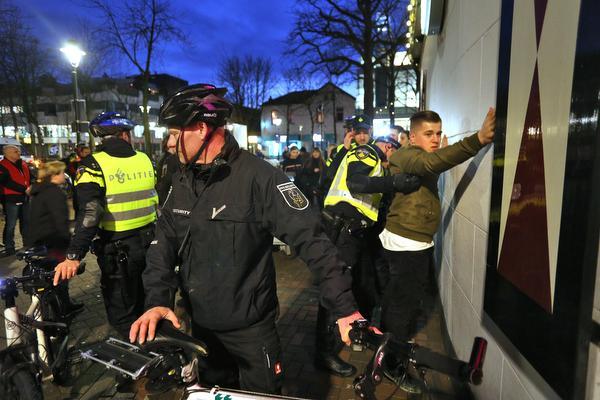 Politiebike gestolen tijdens hete nacht in centrum Hilversum