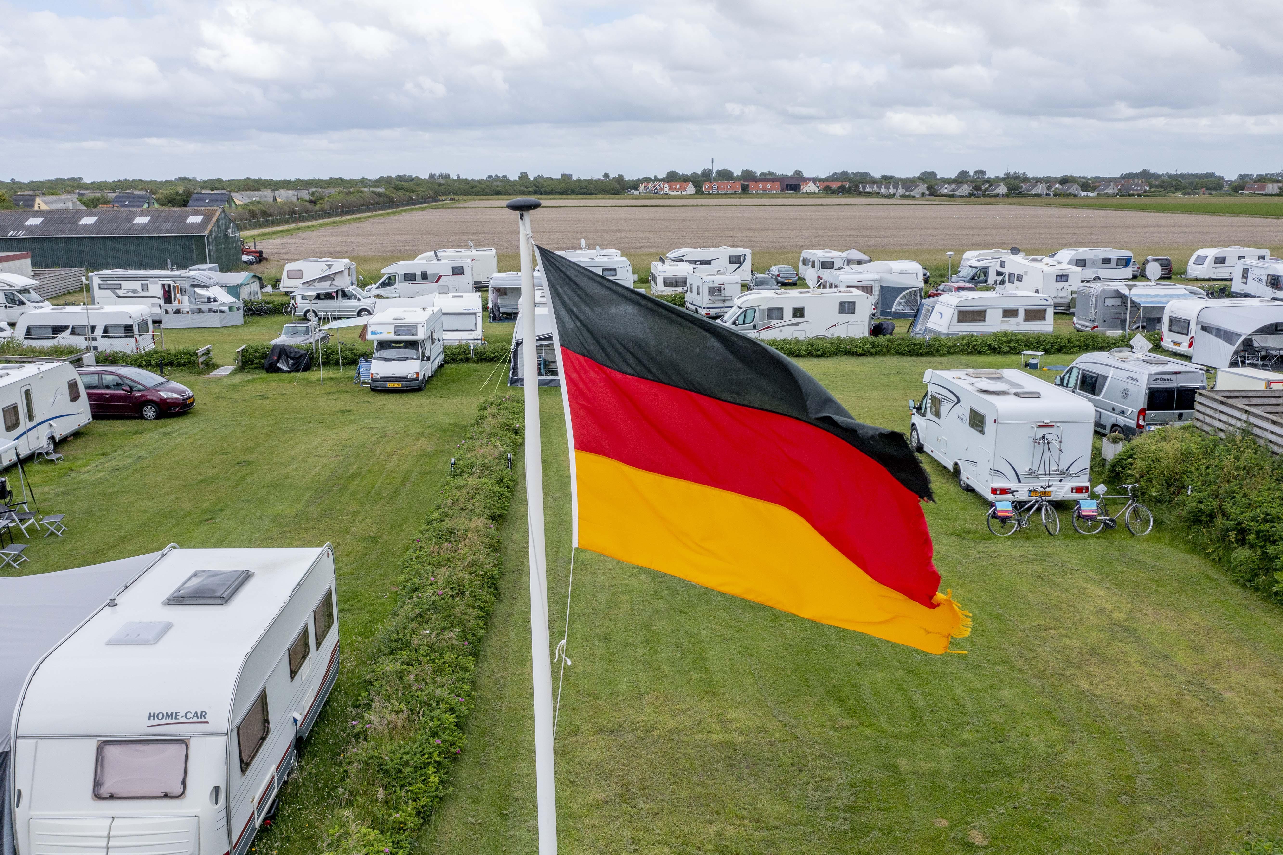 Duitse badgast weet de Noordkop weer te vinden na hiaat door corona in 2020. 'Het is een en al Duits wat ik hoor'