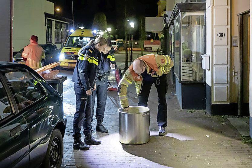 Kokende pan zorgt voor rookalarmmelding in restaurant in Baarn, bewoners boven restaurant en twee katten moeten nacht elders doorbrengen
