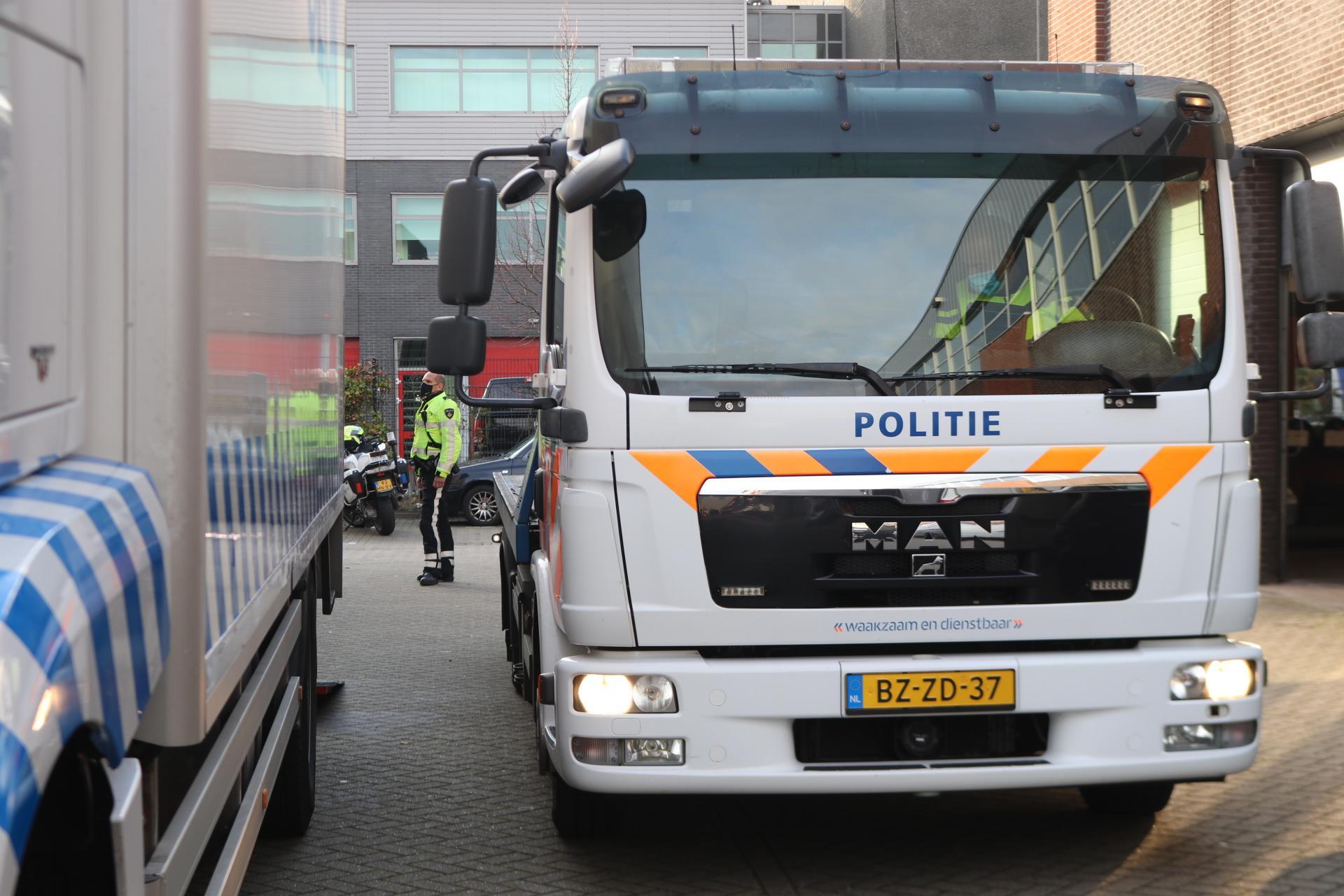 Hennepkwekerij en benodigdheden drugslab gevonden in woning in Noordwijk