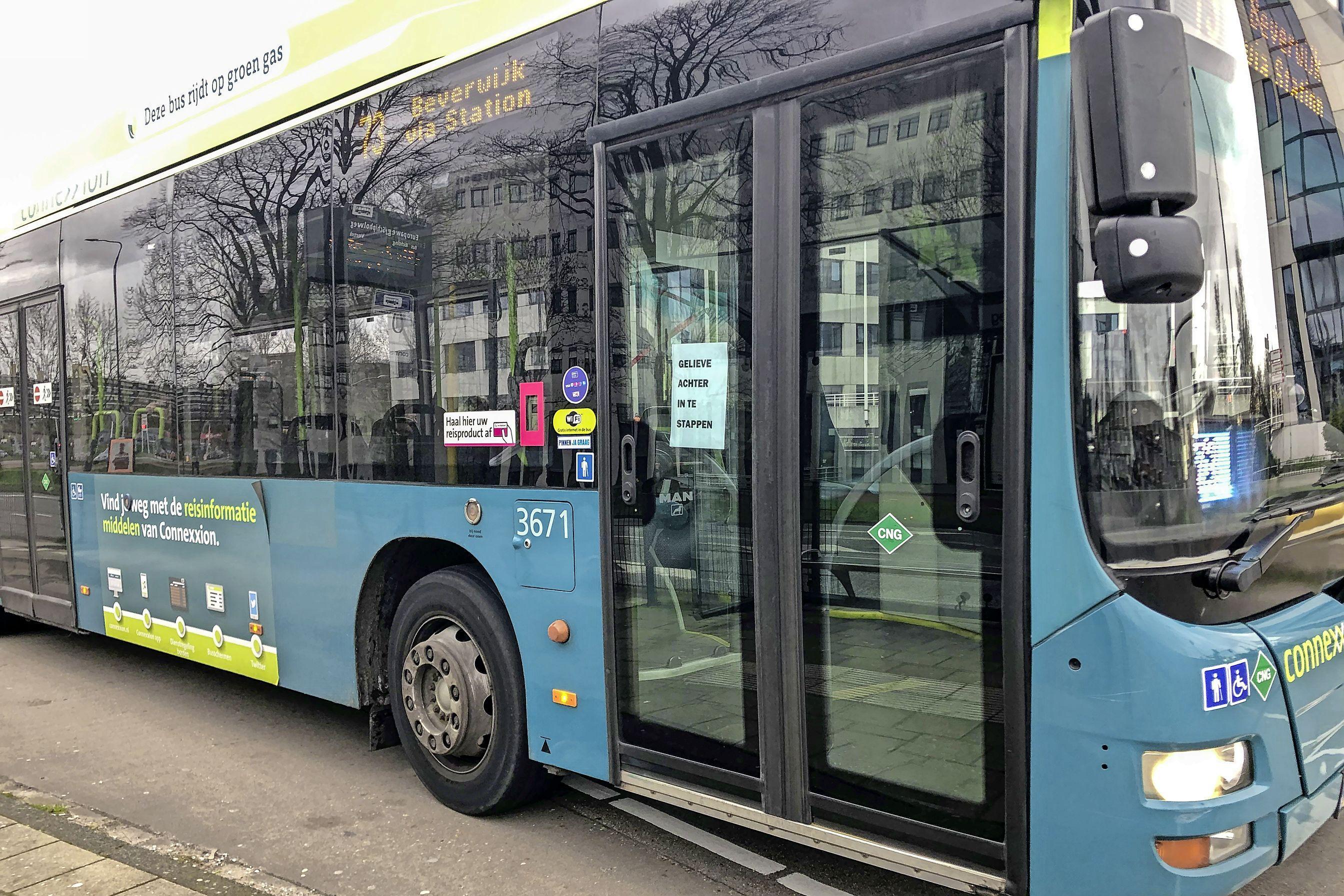 Connexxion en de provincie willen terug naar de reizigersaantallen van voor de coronacrisis. Lukt dat niet, dan gaan bussen mogelijk minder vaak rijden