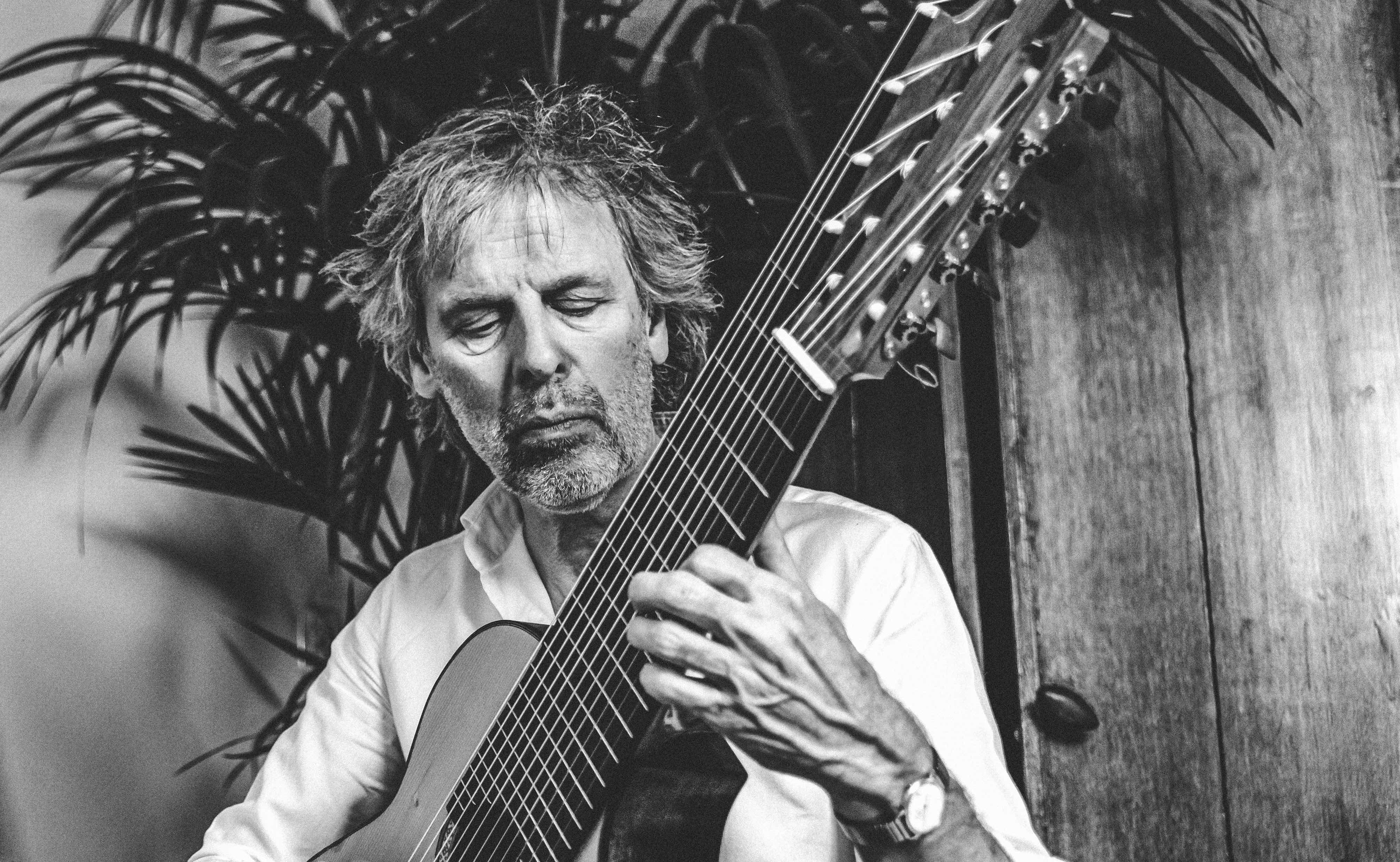 Enkhuizer gitarist Pieter Nanne Groot kreeg door corona weer tijd voor zijn eigen muziek: 'Ik ben tot de essentie gekomen'