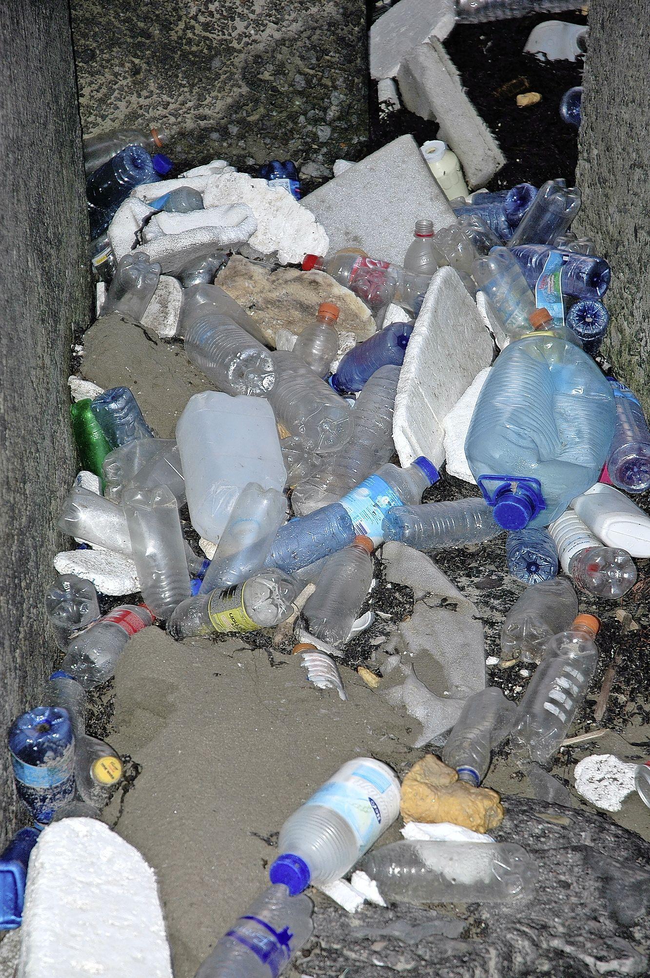 Handhavers zullen vaker op de Velsense stranden zijn om overlast van jongeren te voorkomen