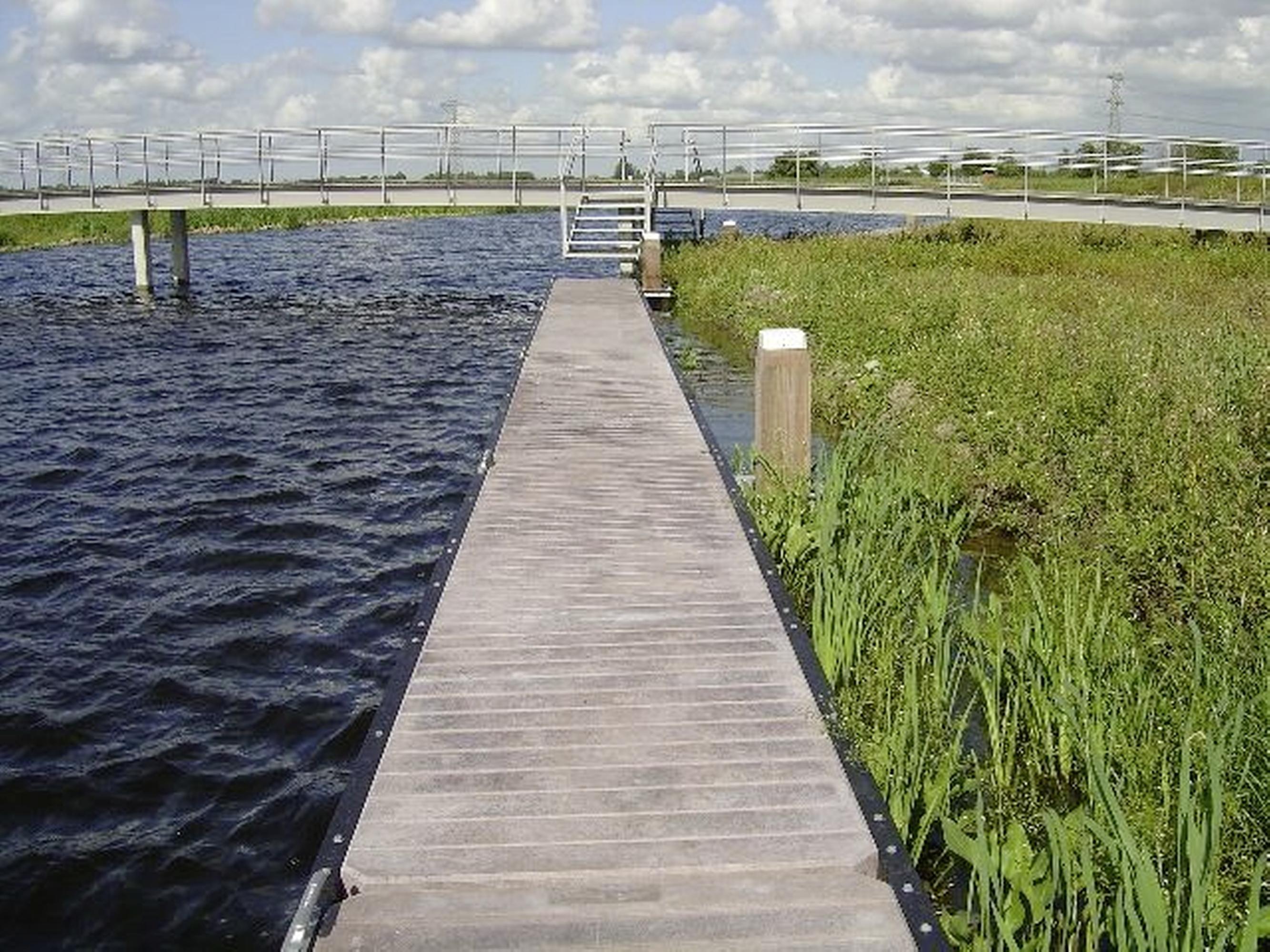 Drie nieuwe aanlegsteigers moeten meer watertoeristen naar Zaanstad lokken. Bij Nauernasche Vaart en Hembrug