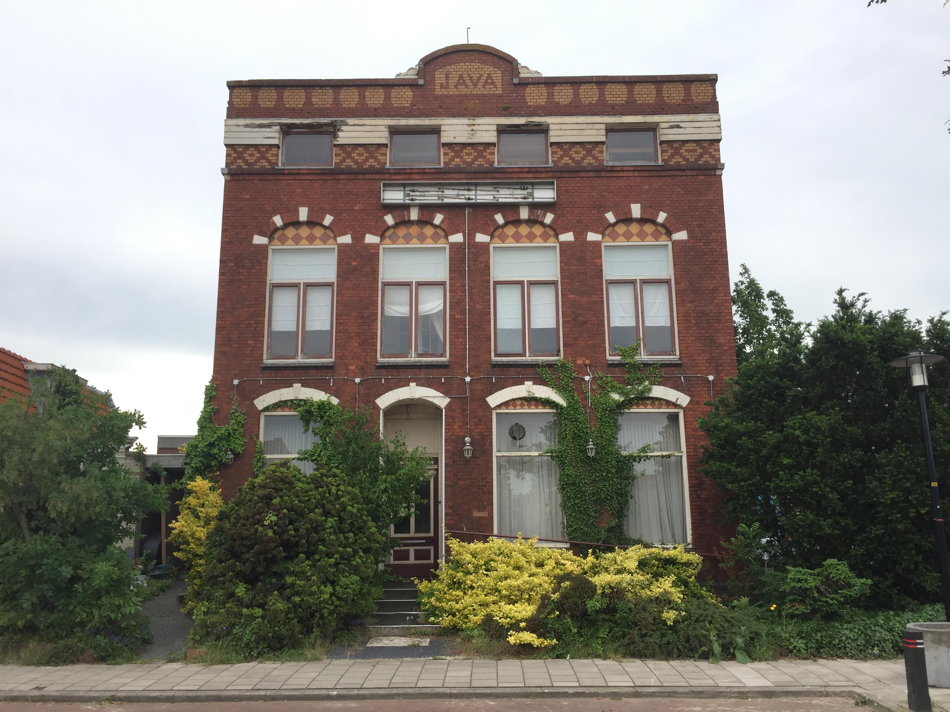Sprankje hoop voor de gevel van het Java-gebouw in Hillegom. Gemeente onderzoekt tijdelijke opslag