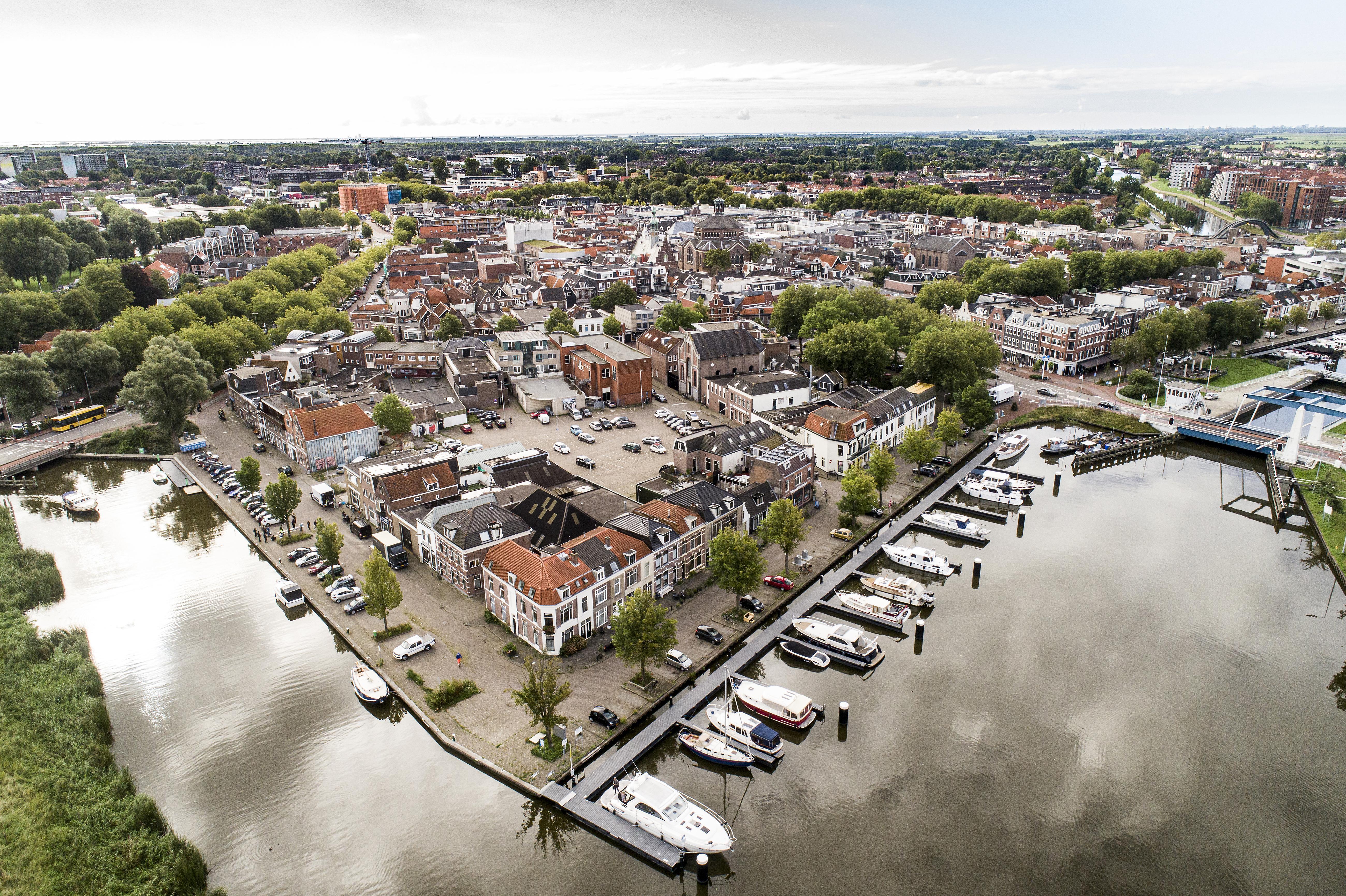 Ooit stond hier Slot Purmersteijn, maar alles wijst erop dat er nu 'nieuwe kasteeltjes' komen in het gebied De Vijfhoek in Purmerend (luchtfoto)