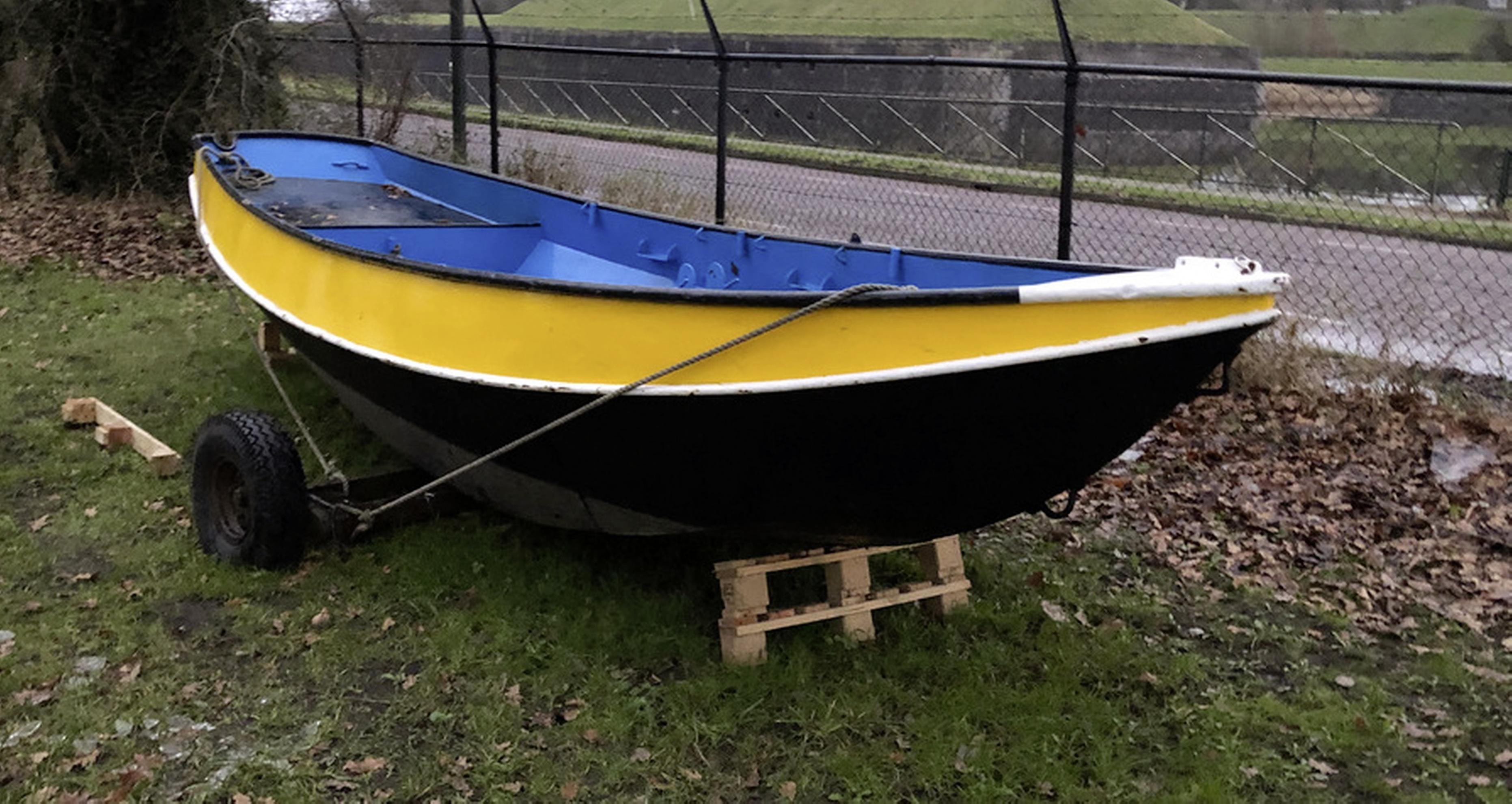 Scouting Olav in Naarden veilt drie casco vletten om nieuwe boot te kunnen kopen na verwoestende brand