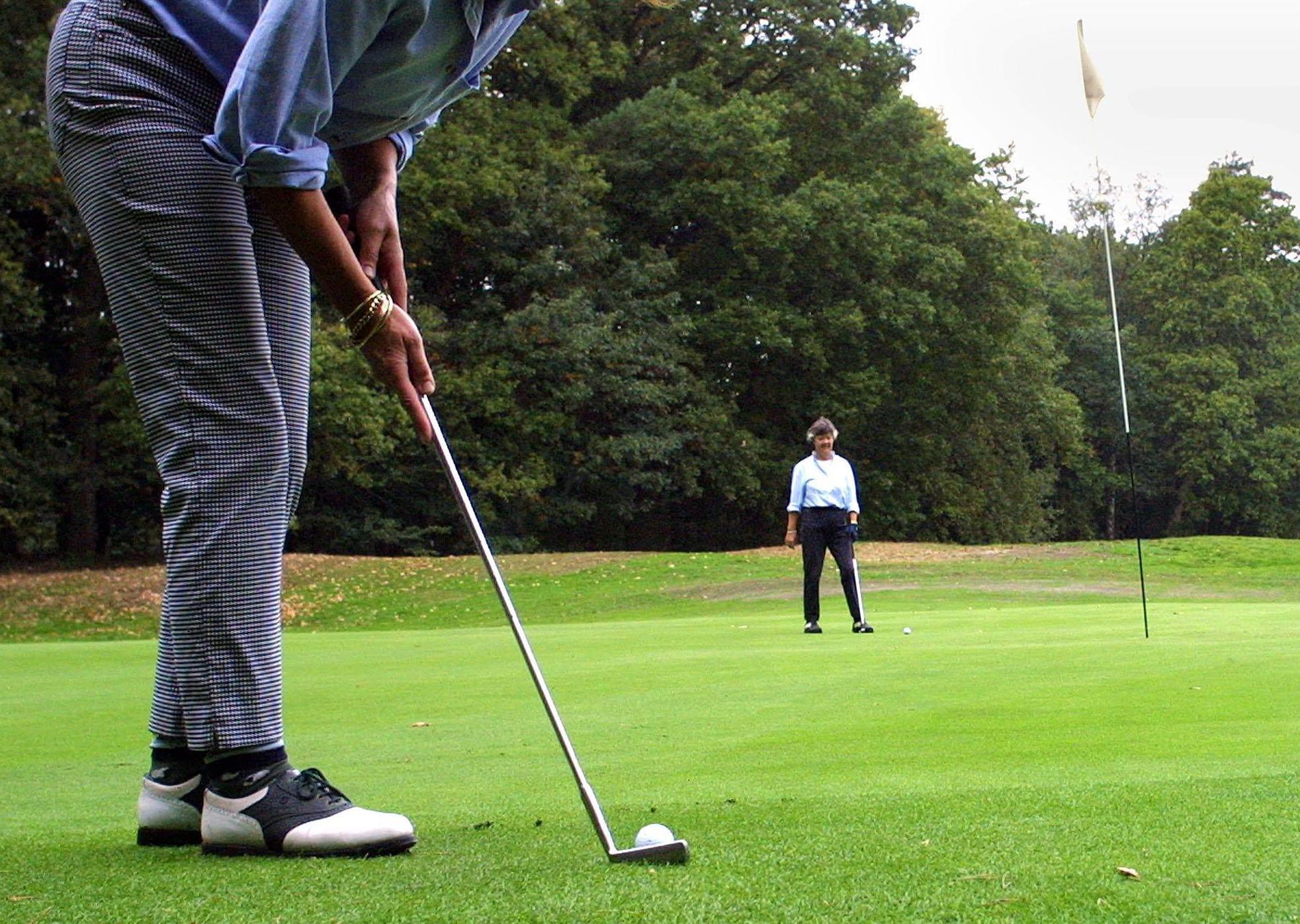 Golf: jonge Blaricummer Thom Hoetmer maakt nog altijd kans op eindzege bij het prestigieuze Nationaal Open op Hilversumsche