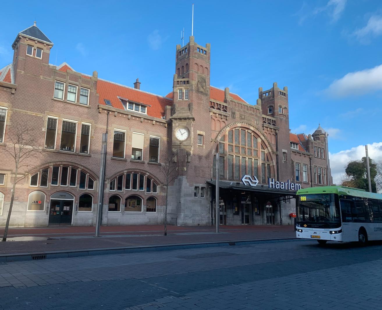 Geen treinen tussen Haarlem en Amsterdam in laatste weekend van januari, ProRail werkt 's nachts door aan spoor