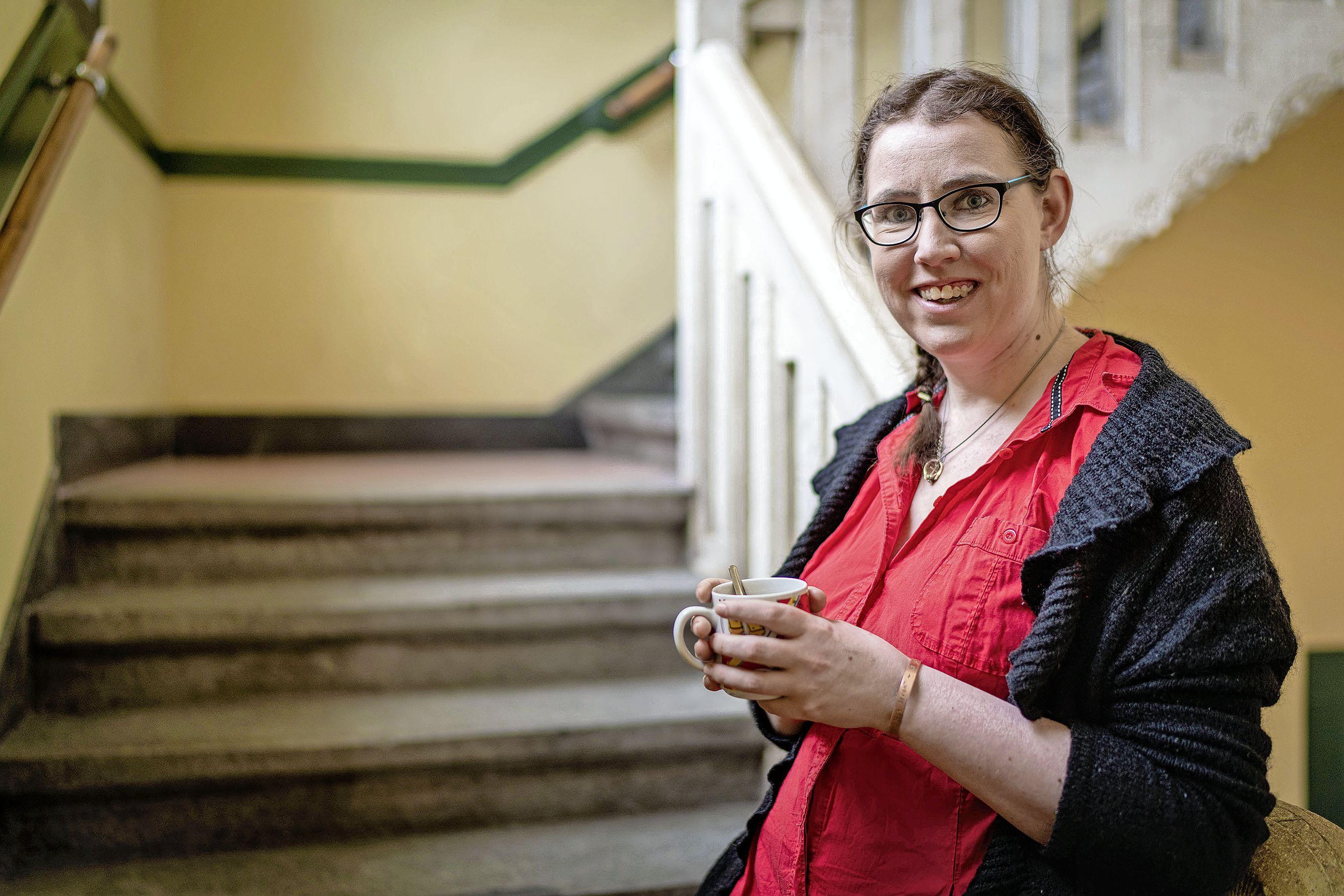Leidse Lonneke Tomas schrijft boek over hoe ze met haar suïcidale gedachten leerde om te gaan: 'Ik ben gaan dansen, figuurlijk dan'