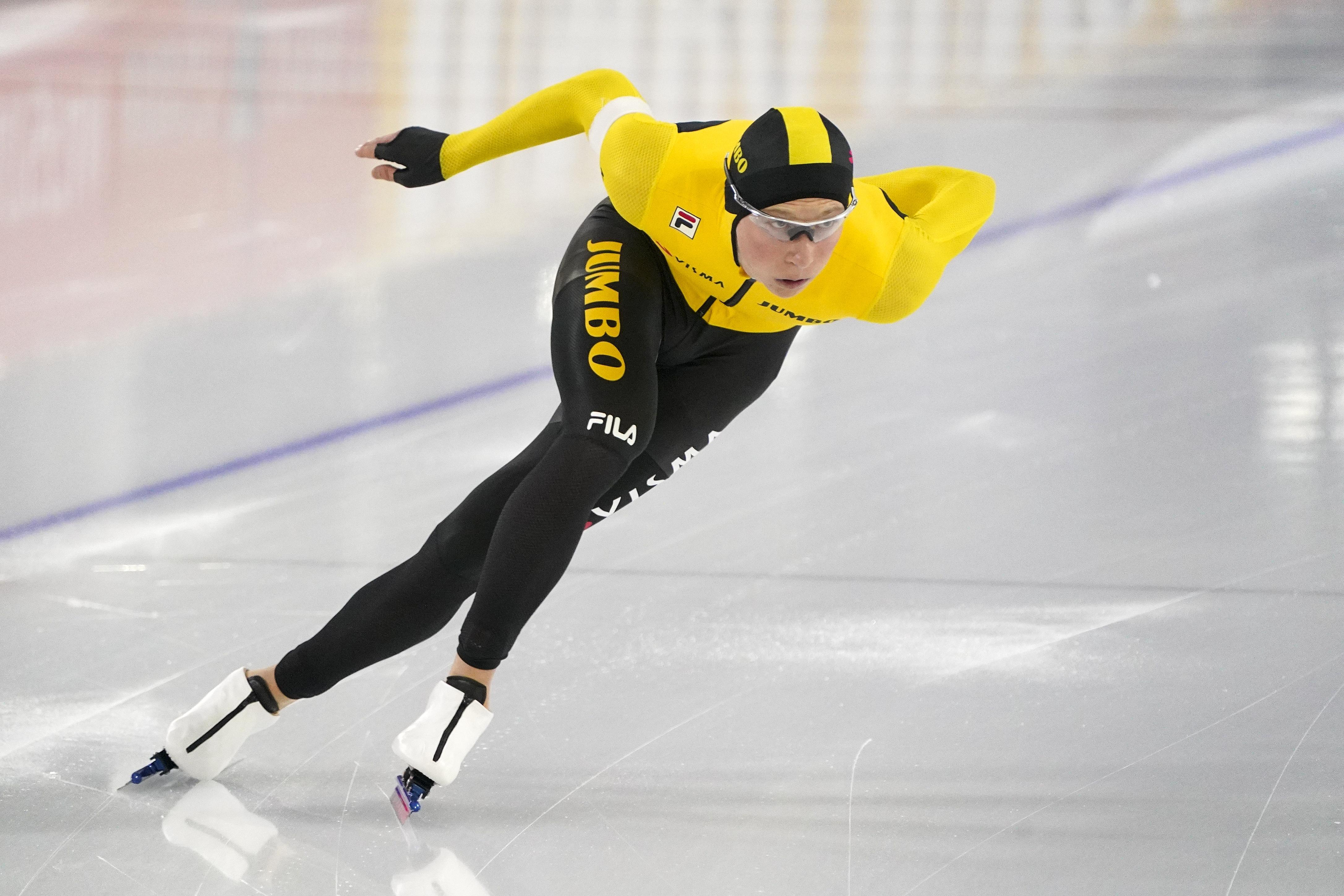 Schaatstalent Merijn Scheperkamp zoekt op NK Sprint naar juiste balans tussen spanning en ontspanning: 'Dat blijft een lastig evenwicht'