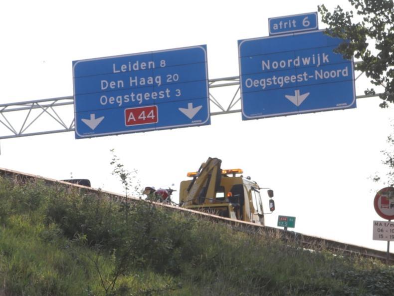 Motorrijder gewond bij botsing op A44 bij Sassenheim