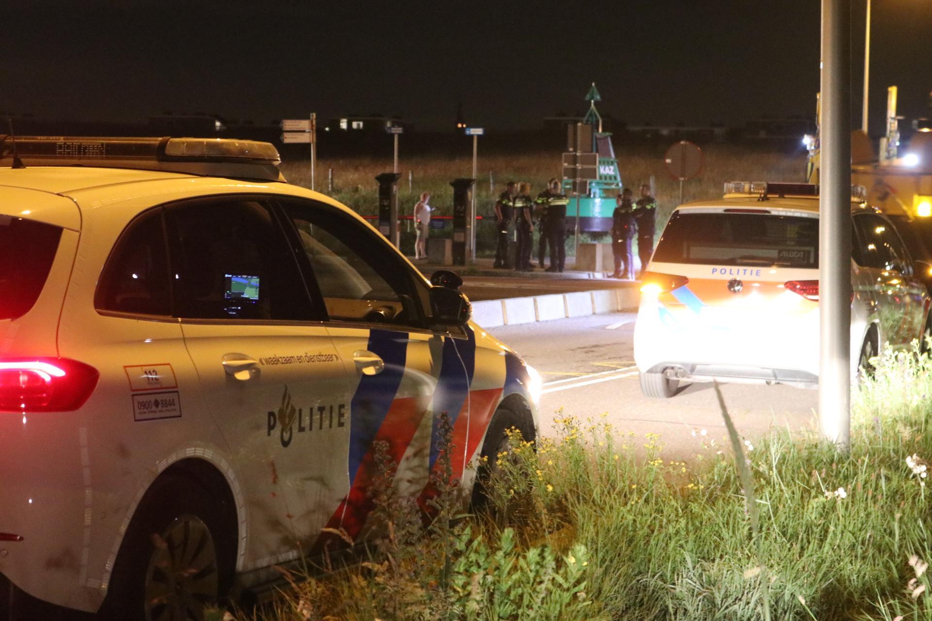 Politie beëindigt feesten op Katwijkse strand, KNRM ziet vuurpijlen aan voor noodsignalen