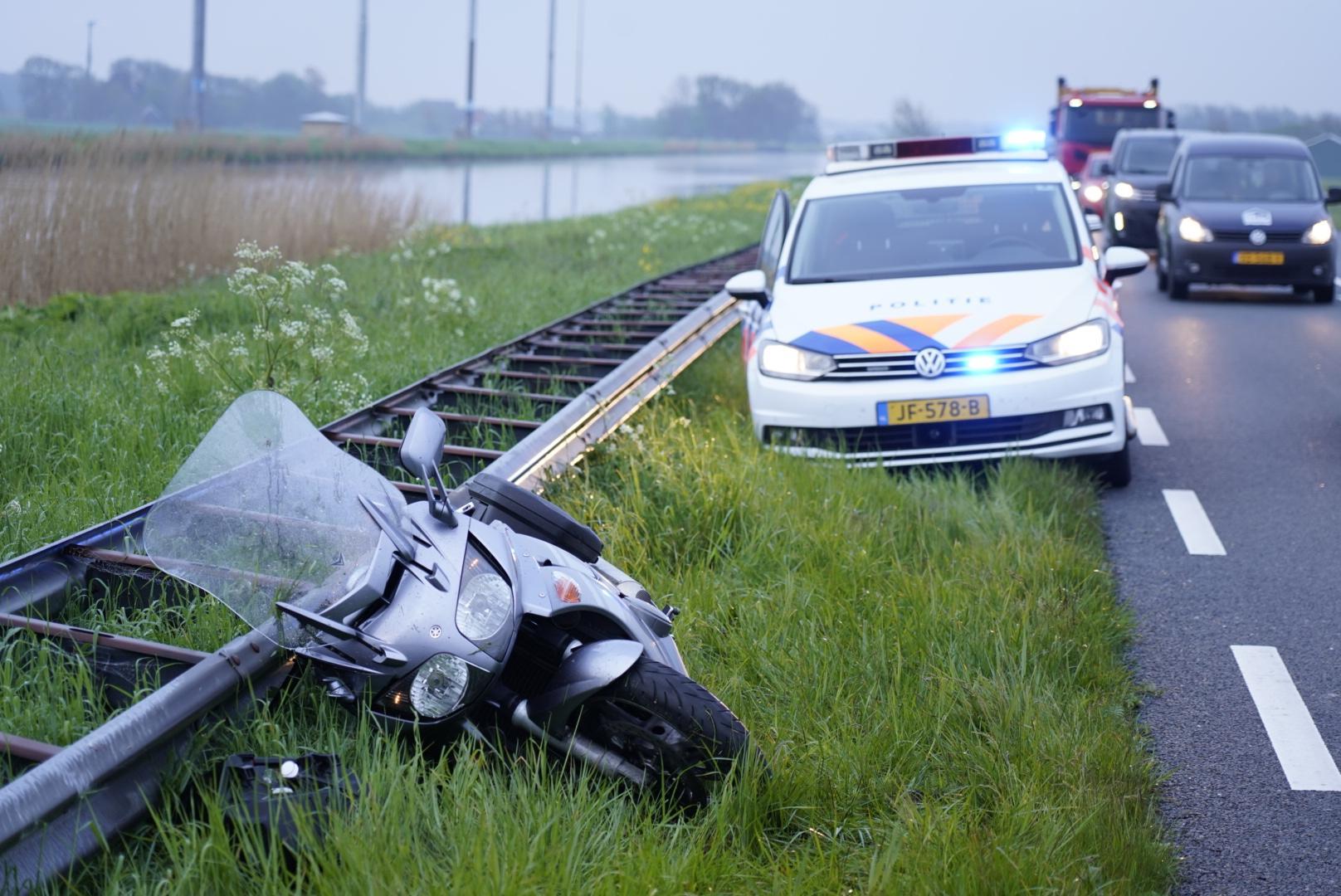 Motorrijder onderuit op de N9 bij Burgervlotbrug
