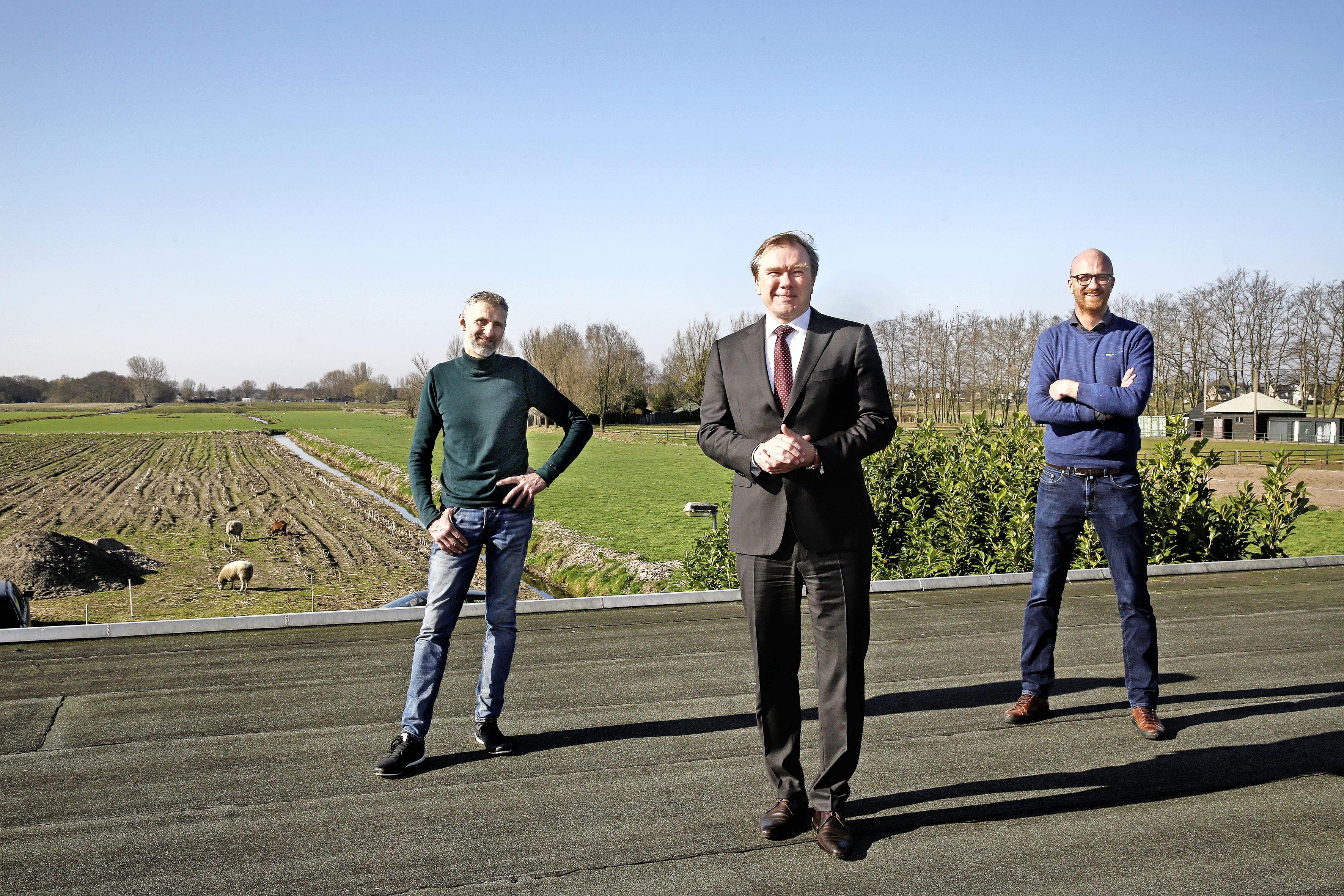 Doorbraak in dik dossier rond vuilstort Kortenhoef: ondernemer Jan Hermsen verkoopt grond voor (water)woningen
