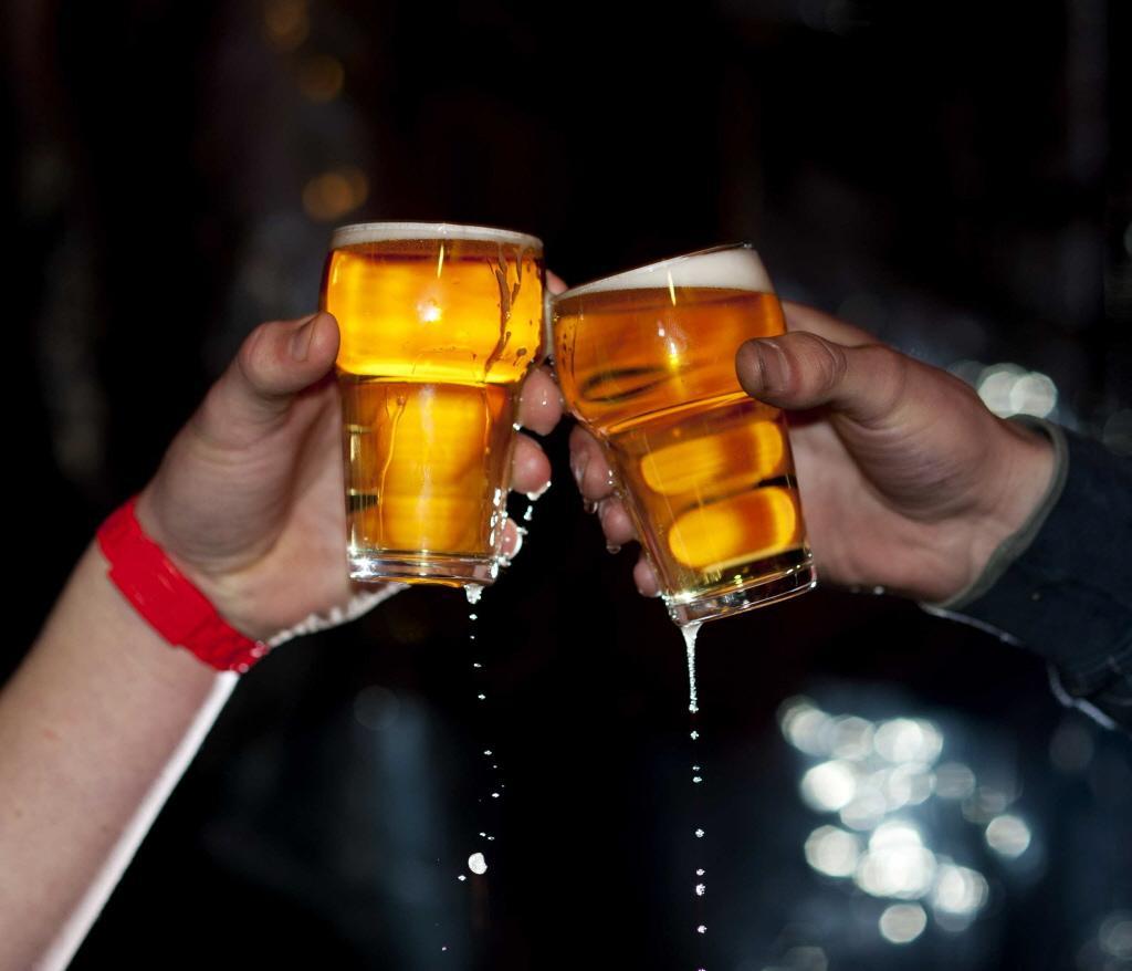 Illegaal drank geschonken tijdens borrels in gemeentehuis Oegstgeest