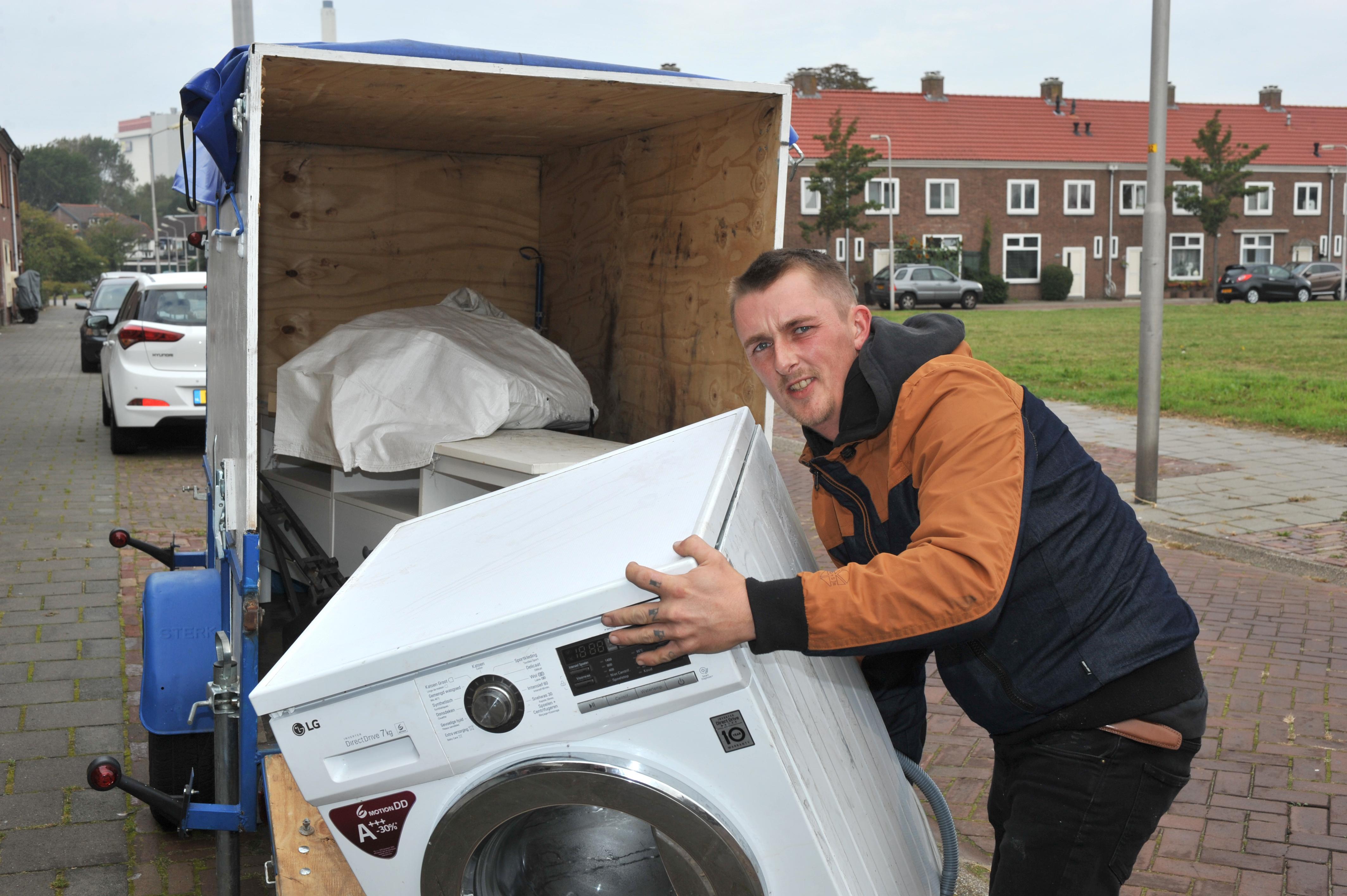 't Muntje biedt nieuwe kansen voor gebruikte spullen én voor Darryl. 'Er is genoeg armoede hier in Velsen-Noord'