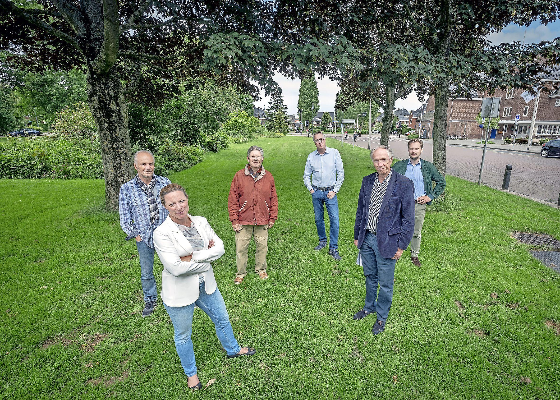 Woede aan het Julianaplein in Heemstede; minimaal twee jaar betonplaten voor de deur wegens bouw Vomar op de Binnenweg