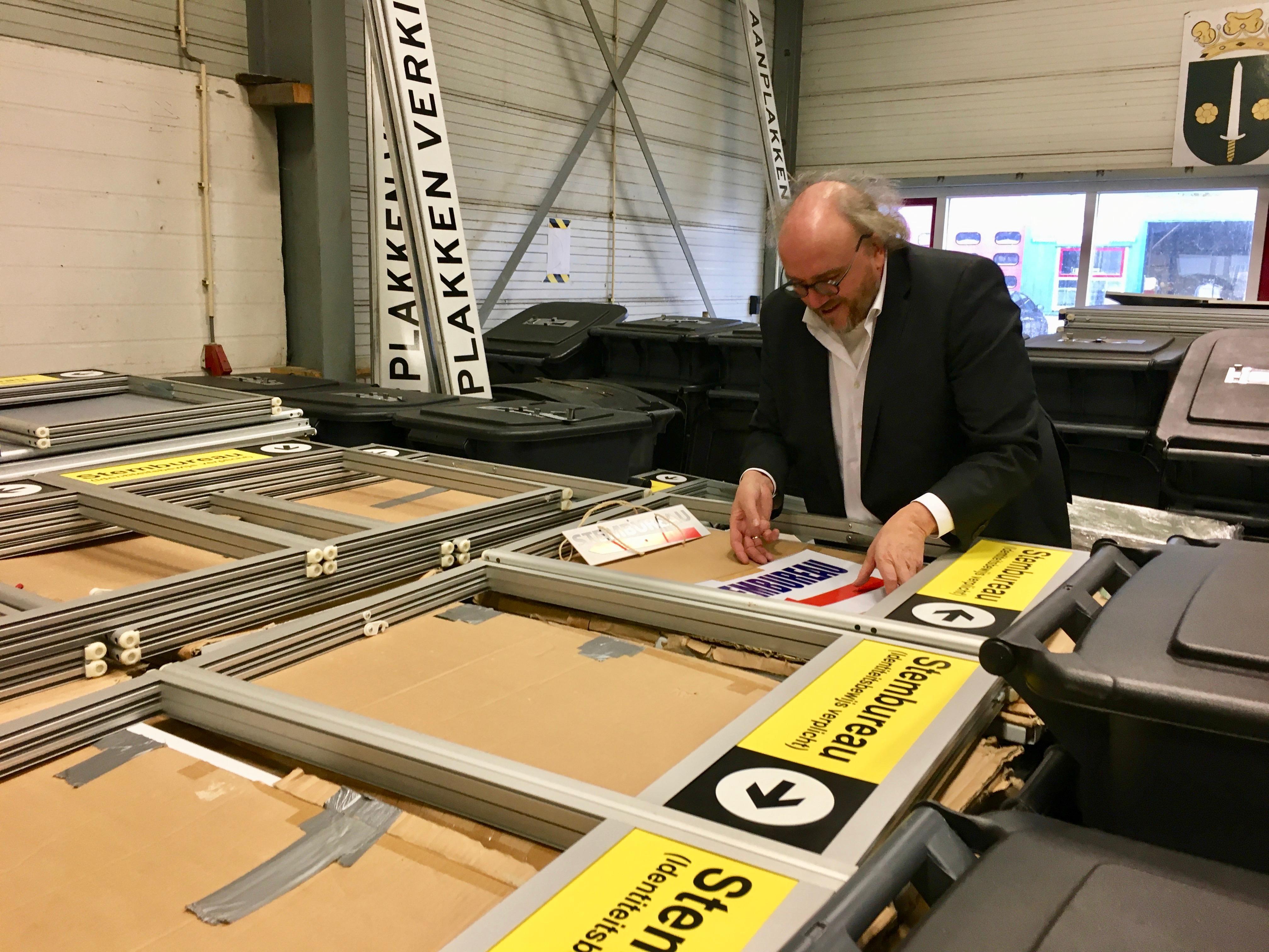 Stemmen bij agrariër of in brandweerkazerne; West-Friese gemeenten zoeken creatieve oplossingen voor stembusgang