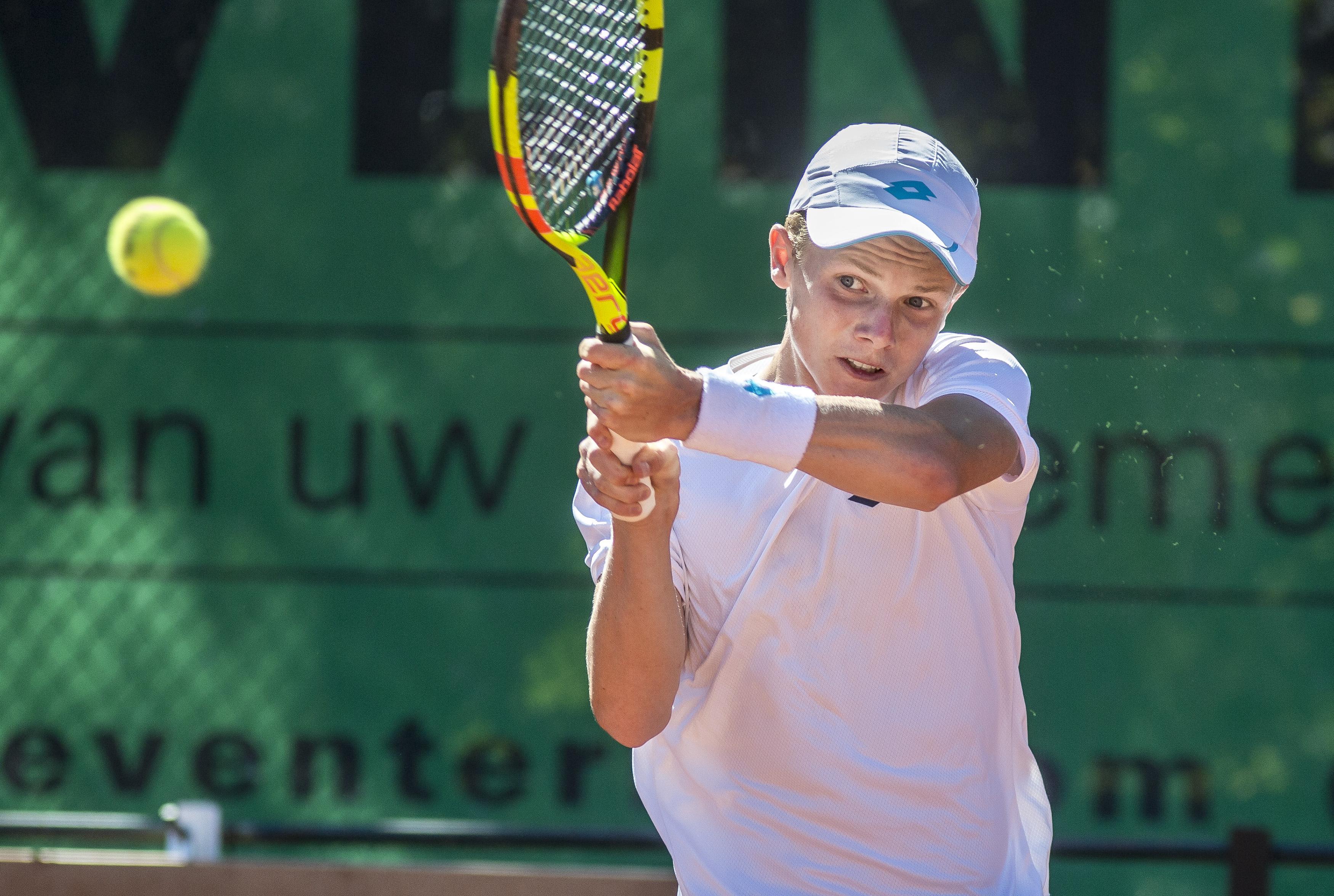 Hoofddorpse tennisser Jesper de Jong: stevig balen en weer verder