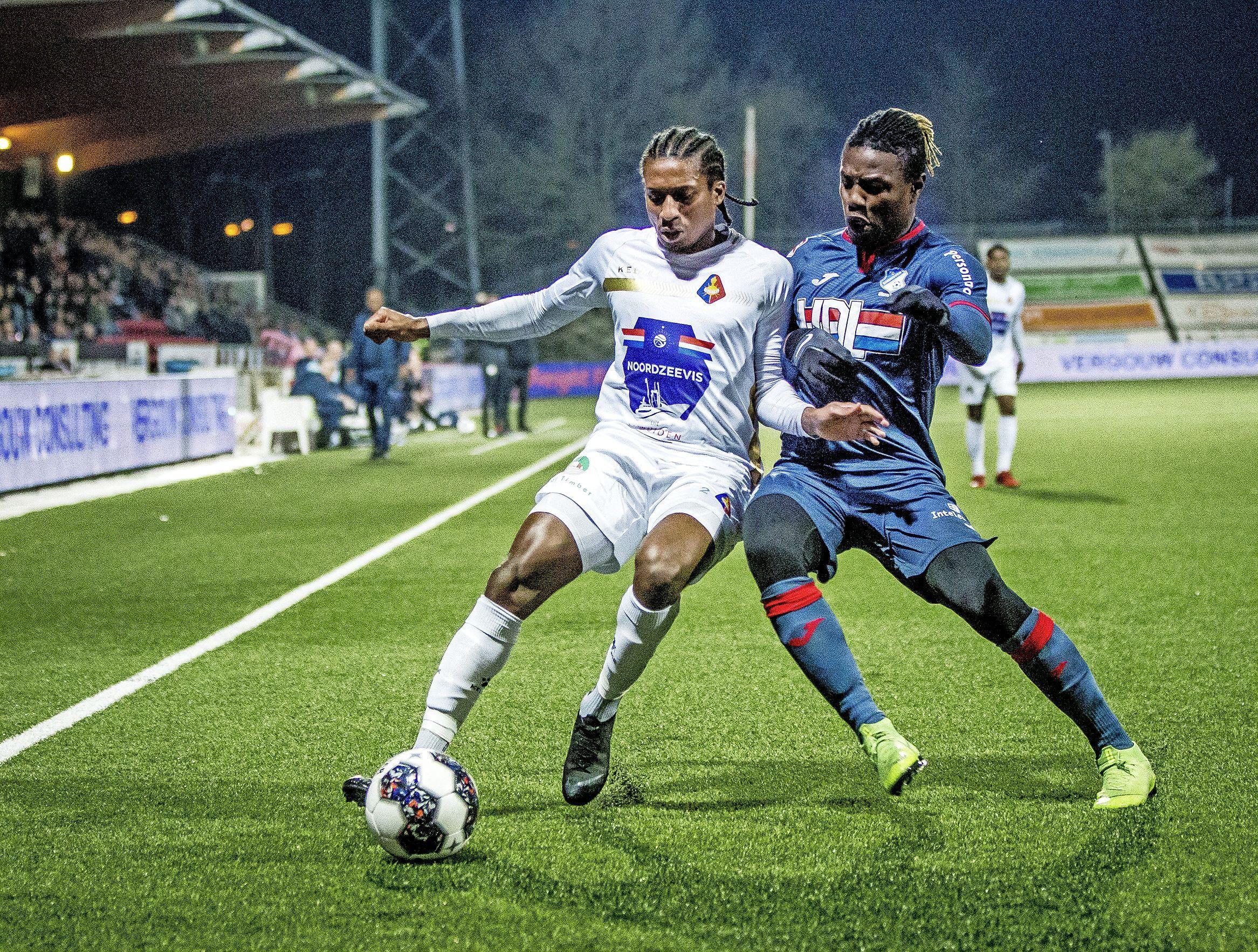Net als elke Klassieker kent Telstar - FC Eindhoven zijn controverse: 'Mister Eindhoven' herinnert zich nog hoe 'bekogelde' keeper werd afgevoerd in bekerclash in 1992 [video]