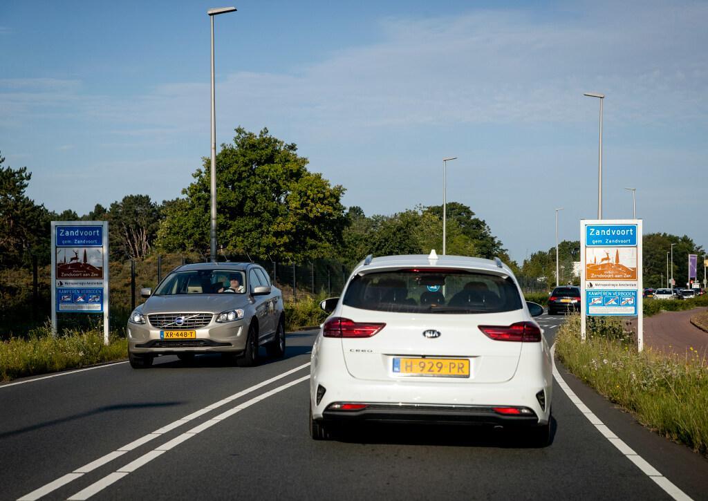 Oplossen parkeerproblemen gaat Zandvoortse politiek te traag: 'Situatie in Oud Noord en Duinwijk schrijnend'