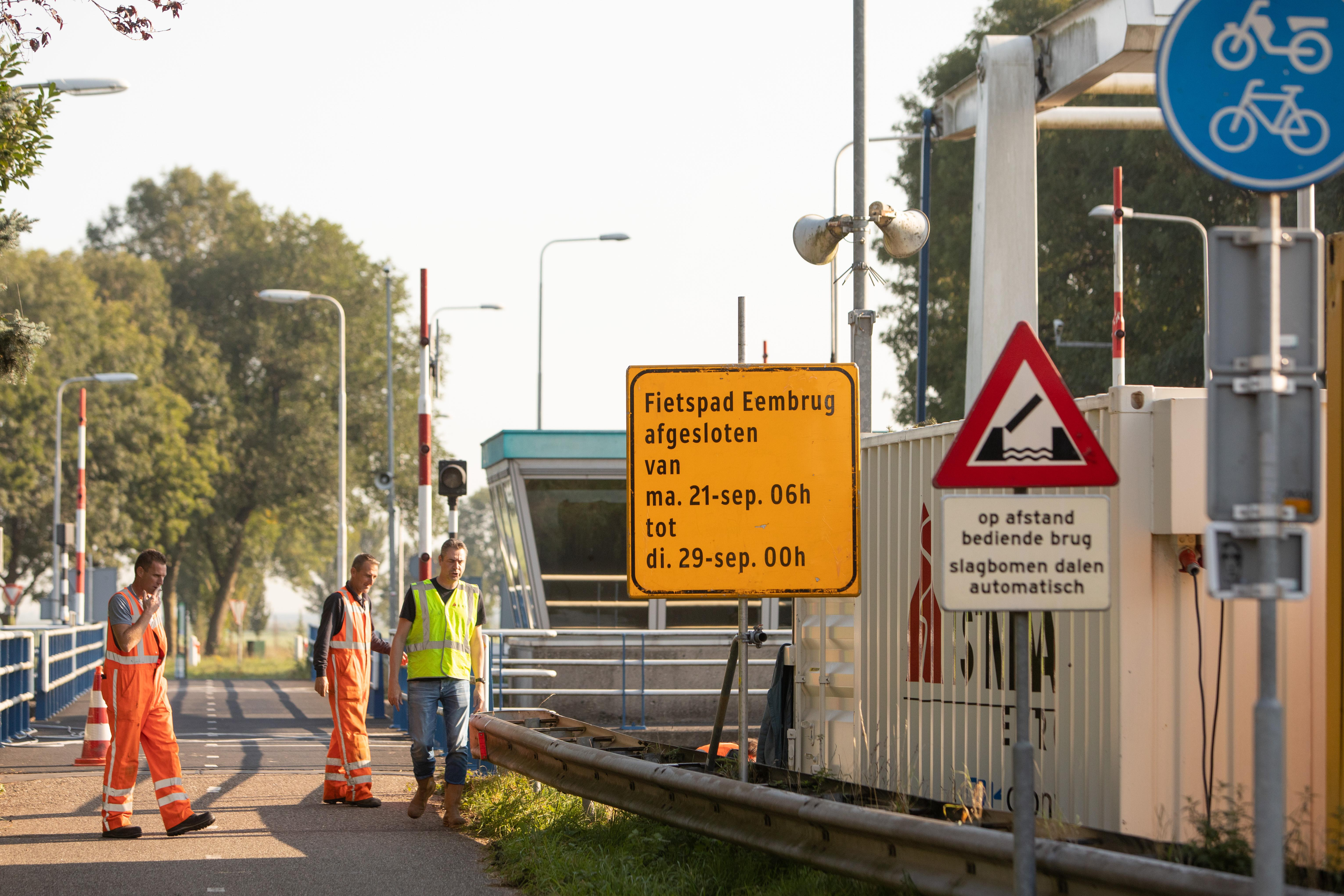 Brug over de Eem wegens werkzaamheden ruim een week gestremd: vanaf maandag flink omrijden tussen Baarn en Bunschoten