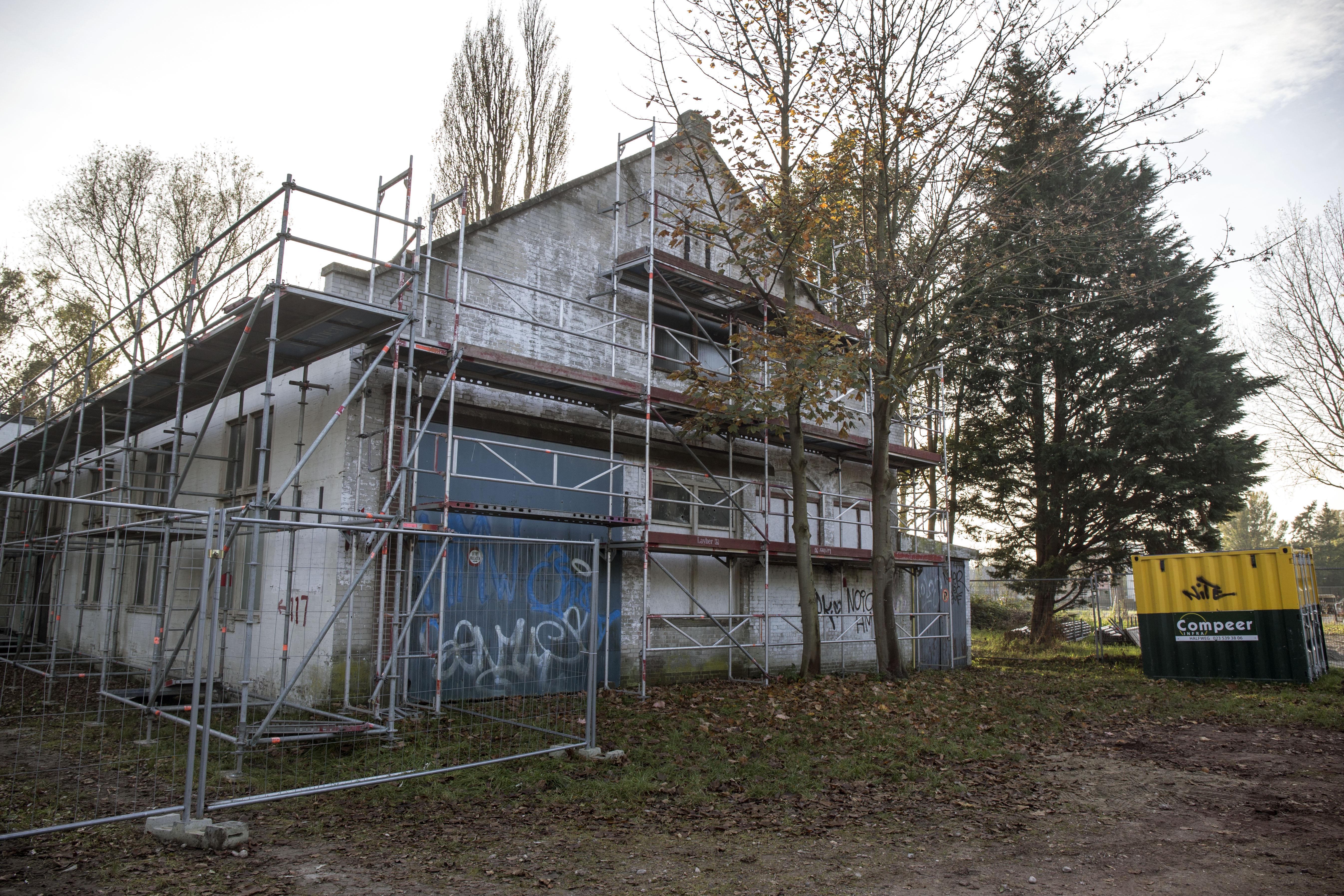 Massale belangstelling voor oude Watermeterfabriek langs het Spaarne in Haarlem. 'Geliefde plek en lage verkoopprijs'