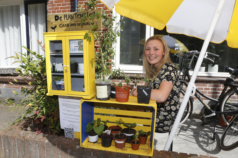 Stekjes in overvloed bij de plantenbieb in Hilversum: 'Het loopt echt megagoed'