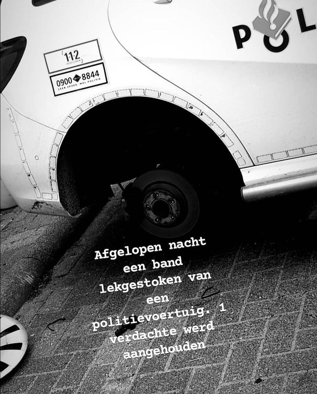Persoon steekt band lek van politiewagen en wordt aangehouden in Katwijk, ook overtreding van de avondklok