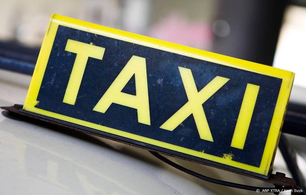 Meer taxichauffeurs geschorst om misdrijf of overtreding