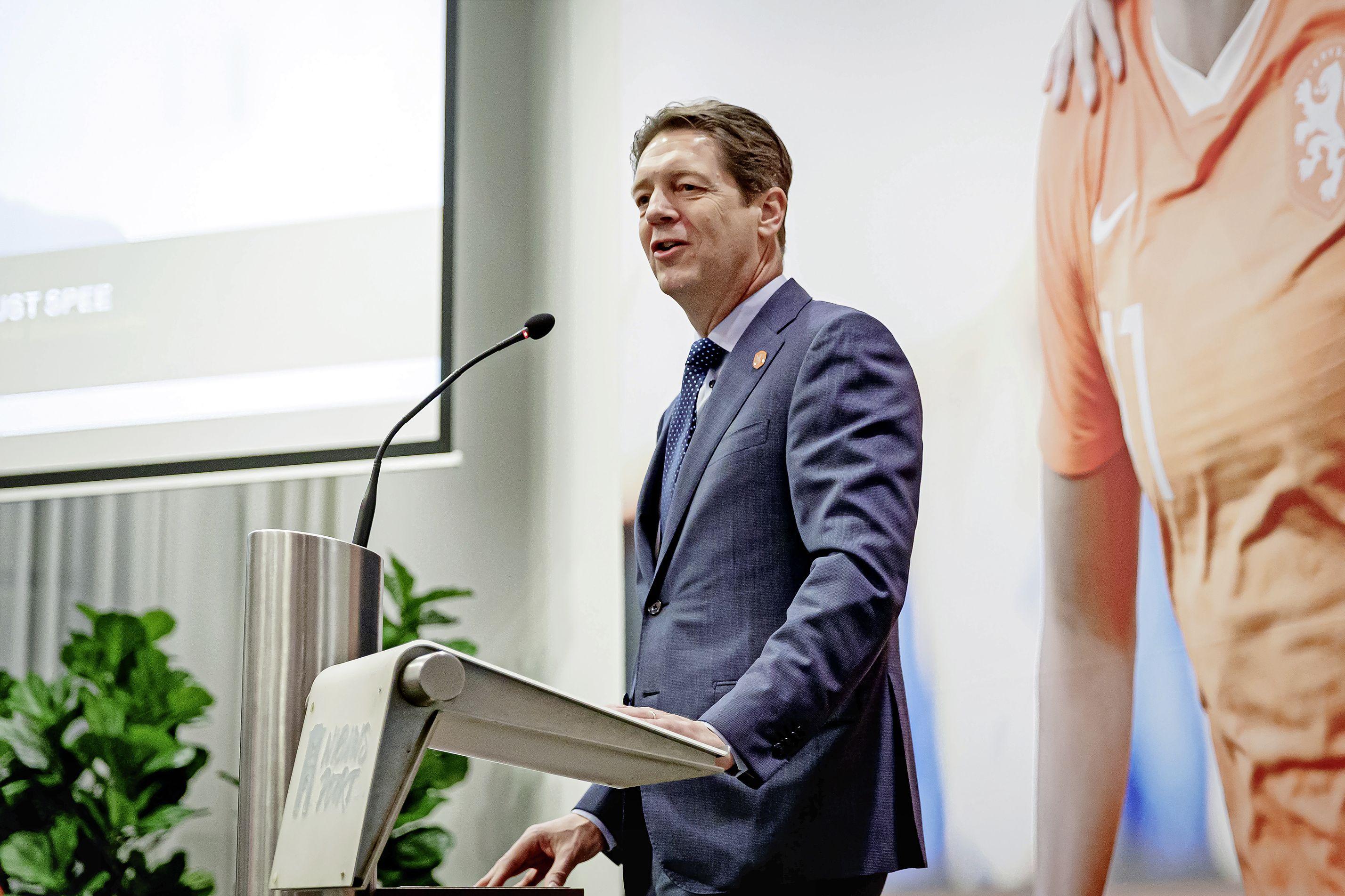 Haarlemse bondsvoorzitter Just Spee neemt plek van Michael van Praag over bij UEFA en wil discussie over toekomst voetbal: 'We moeten dingen toevoegen'