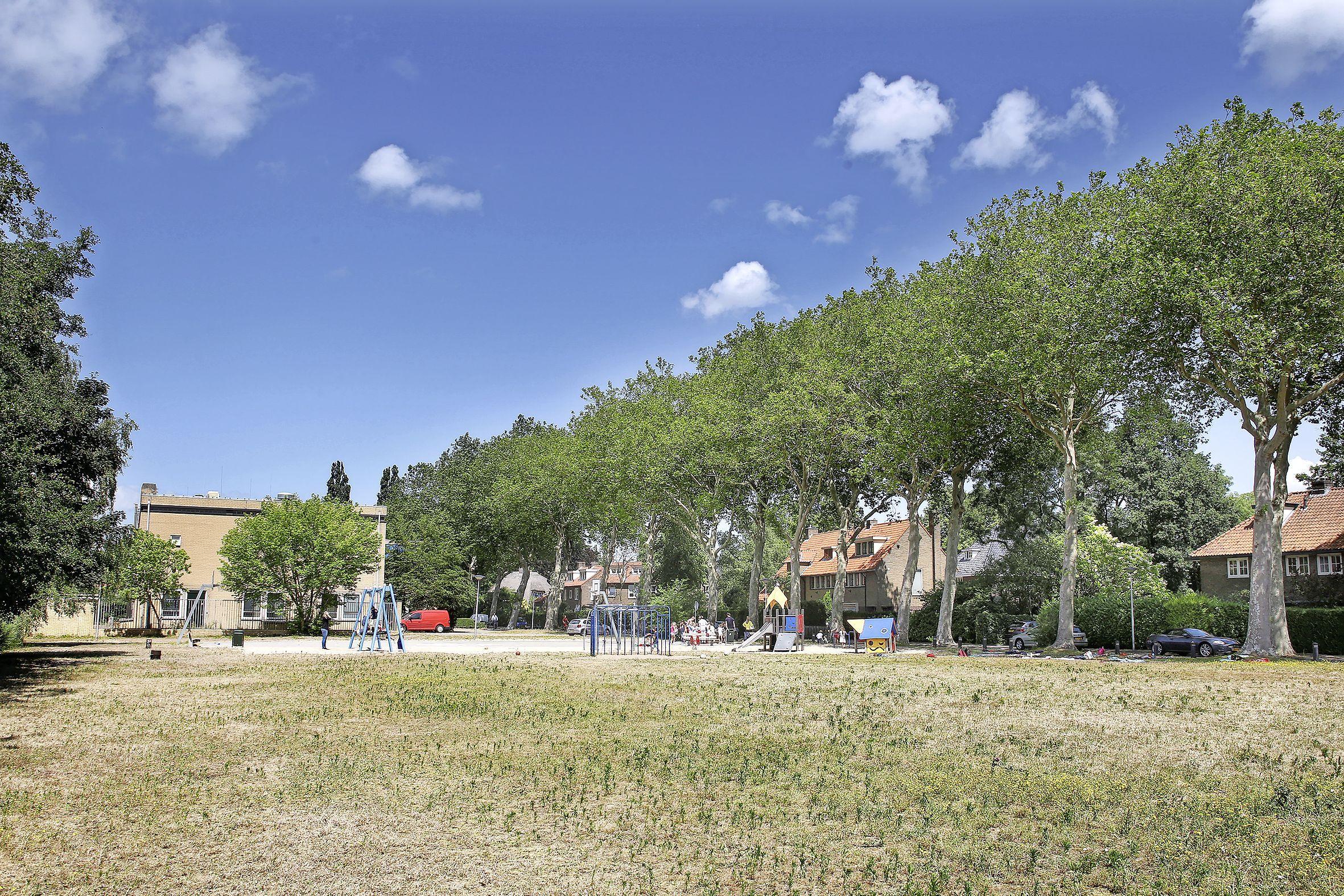 Bouw op speelveld Jan ter Gouwweg in Naarden kan beginnen. Buurt overweegt juridische stappen
