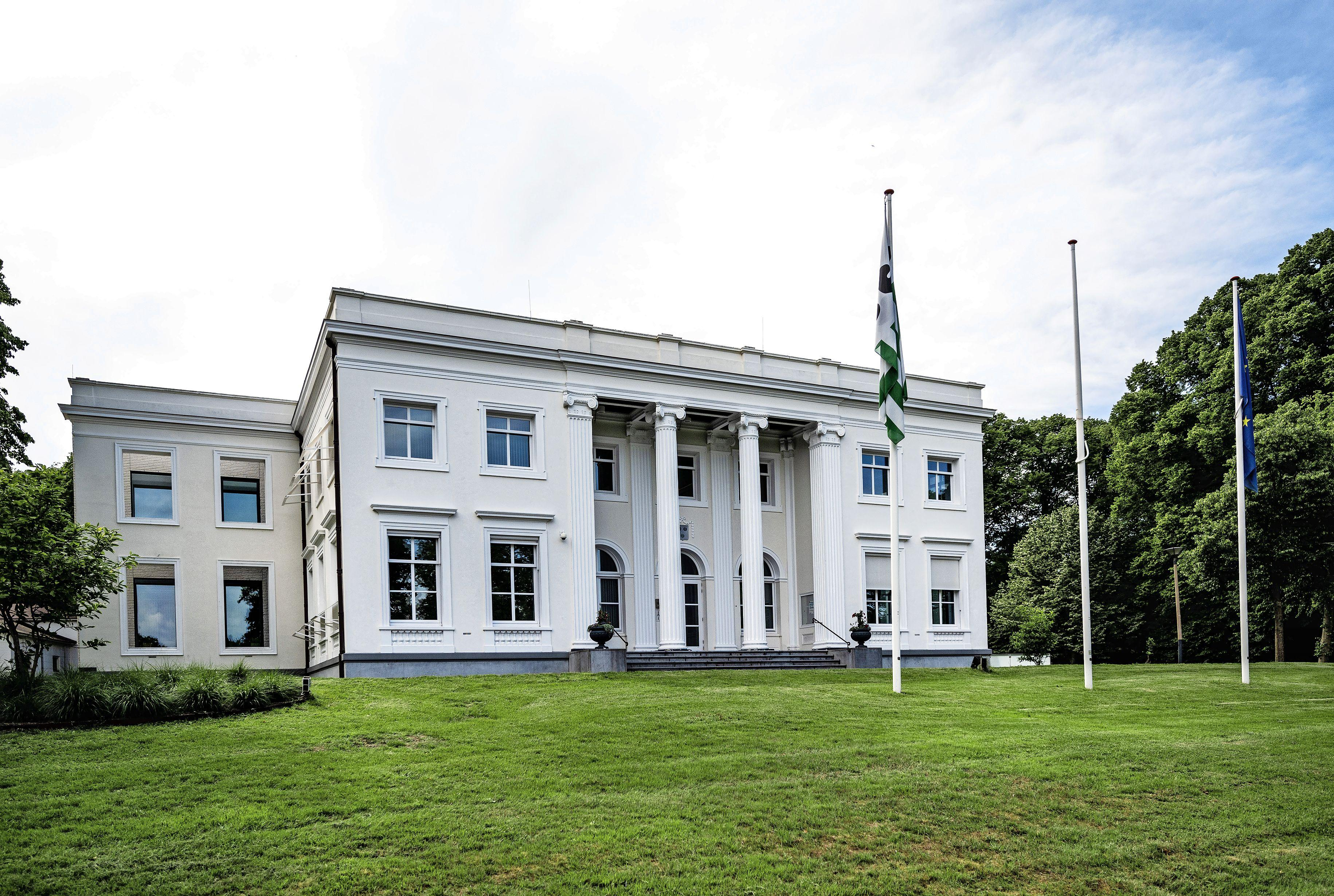 Meer openheid in Bloemendaal rond deal met landgoedeigenaren Hans en Rob Slewe. Bedragen worden donderdag bekendgemaakt