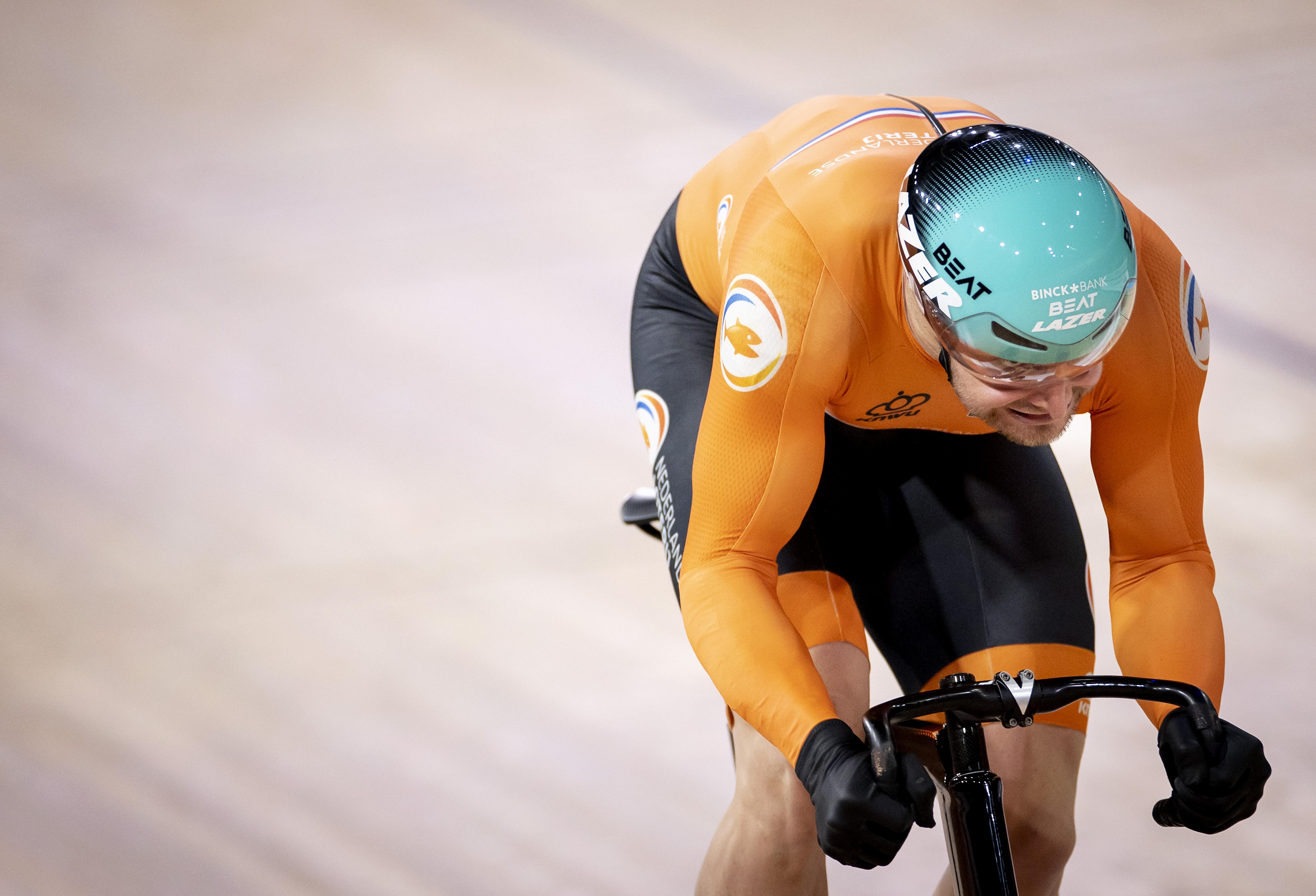 Büchli uit Santpoort-Zuid verder op sprinttoernooi WK baanwielrennen