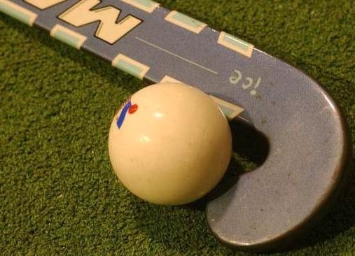 Puzzelen op sportpark Markgouw in Monnickendam voor beste plek tweede hockeyveld