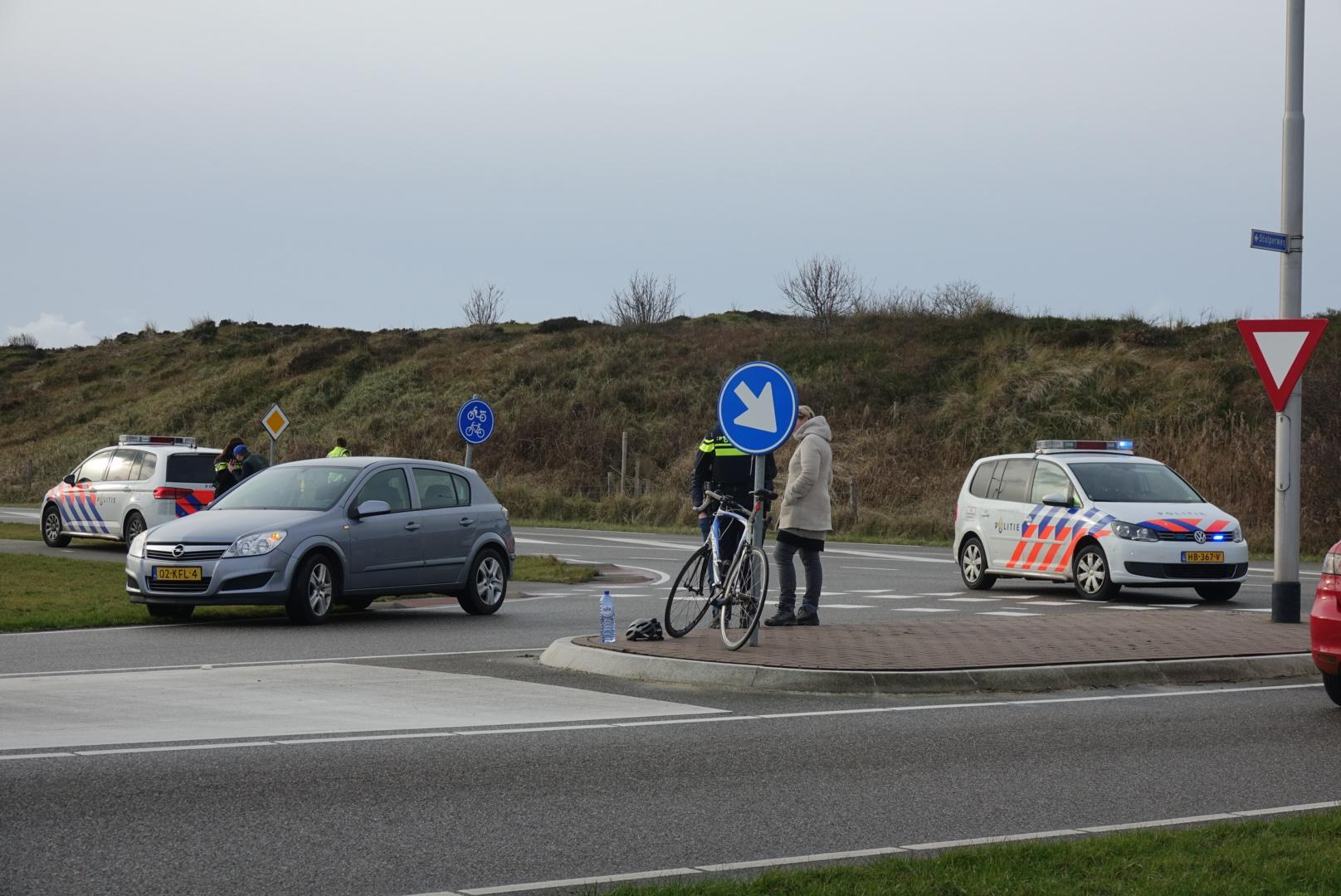Wielrenner door auto geschept in Callantsoog
