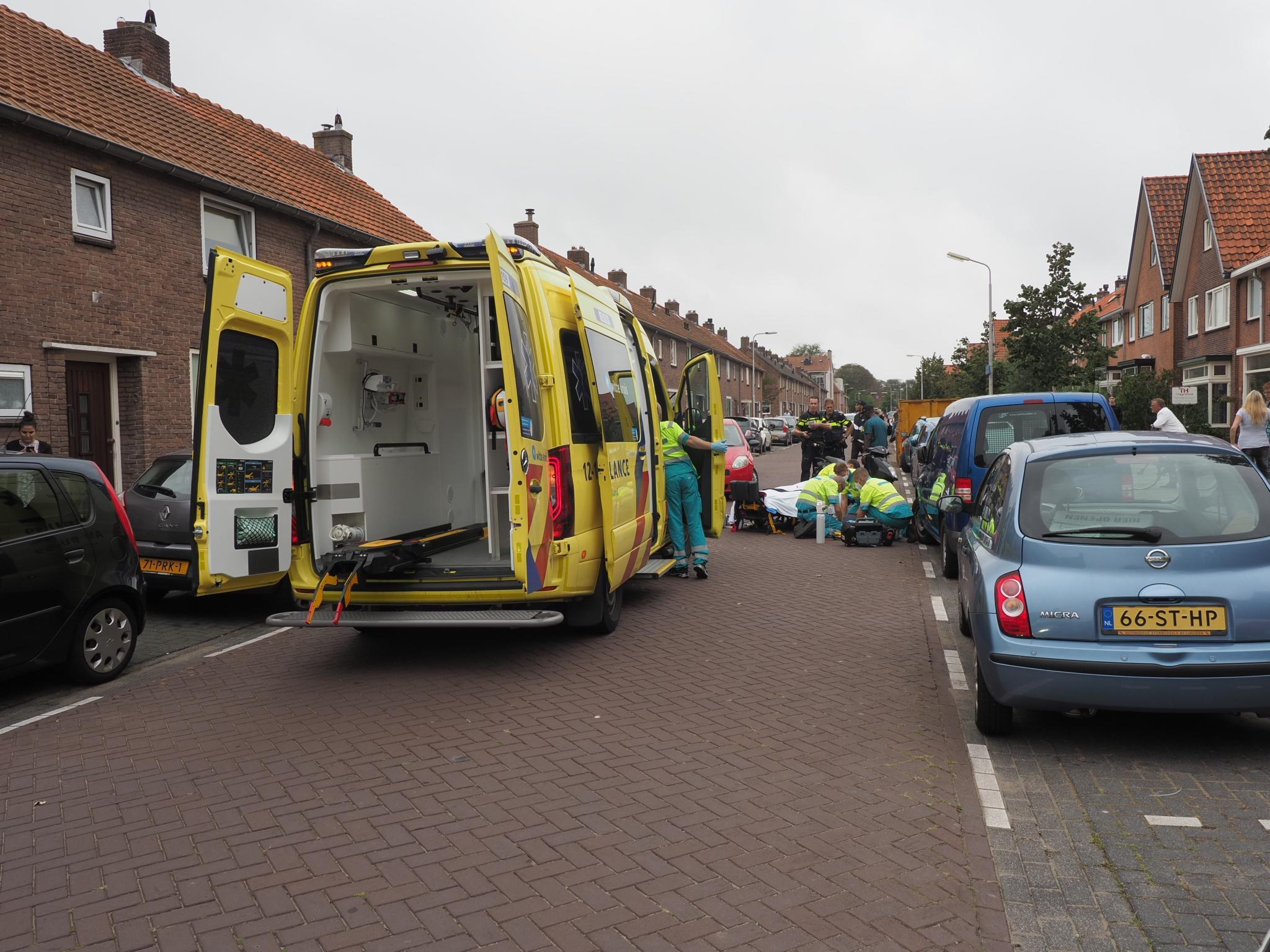 Scooterrijder ernstig gewond na aanrijding met automobilist in IJmuiden