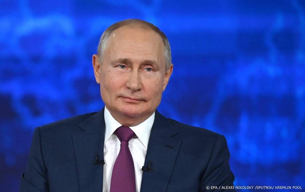 Poetin tekent omstreden wet tegen 'geschiedvervalsing'