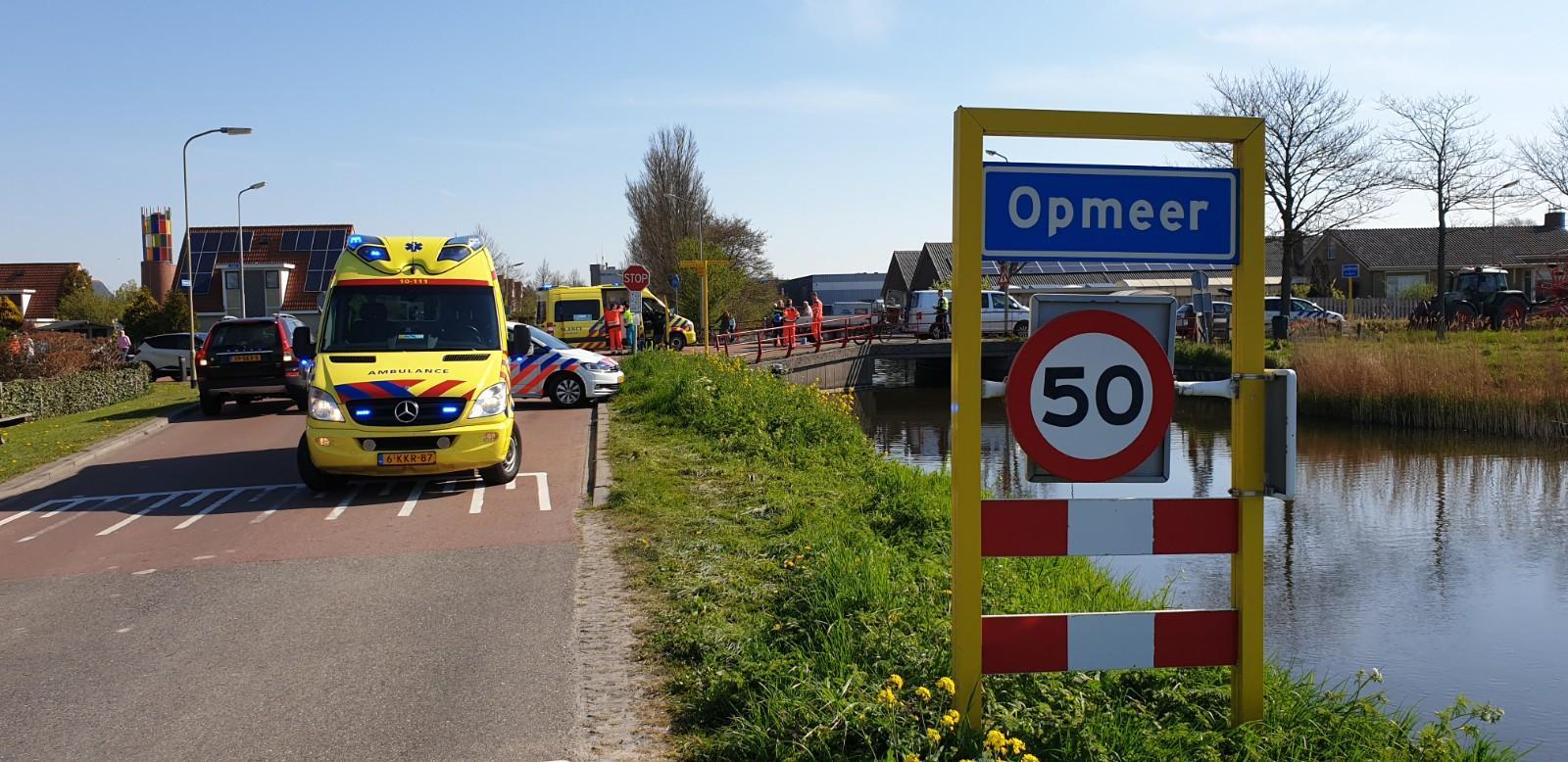 Traumaheli landt voor gebotste fietser in Opmeer