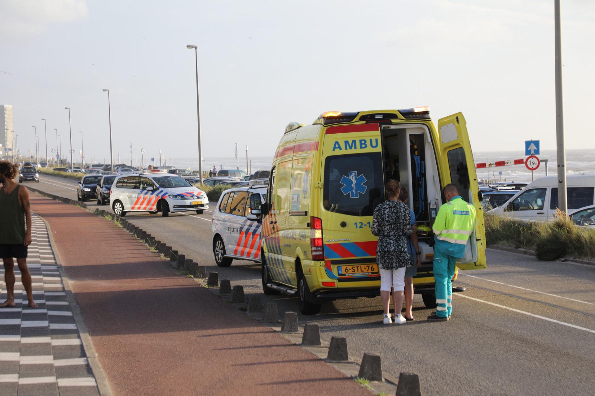 Voetganger verbrijzelt voorruit auto bij aanrijding in Zandvoort, maar komt er wonderwel vanaf