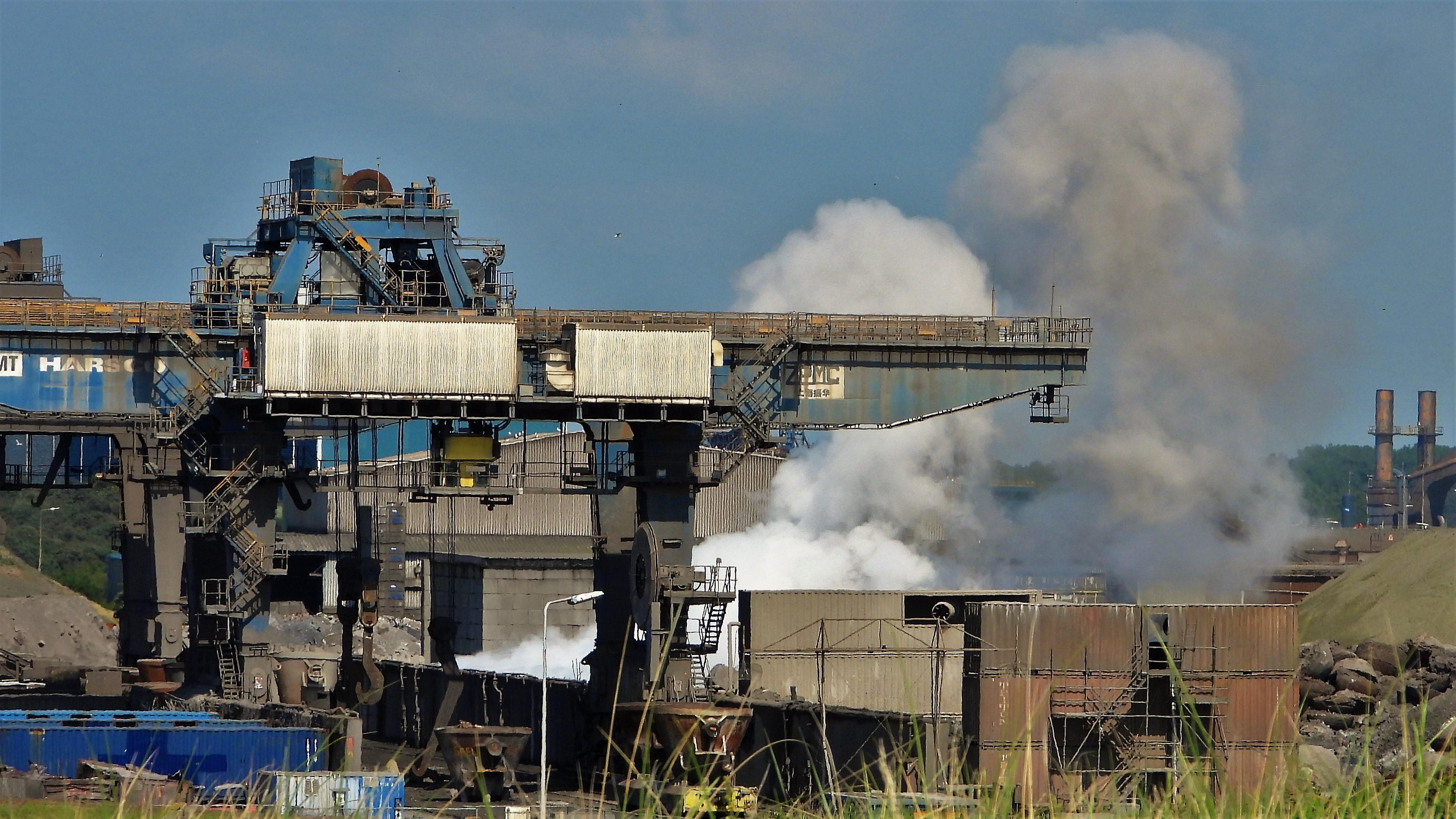Op elke stofwolk van Tata Steel of Harsco moet een dwangsom staan, vinden Provinciale Staten