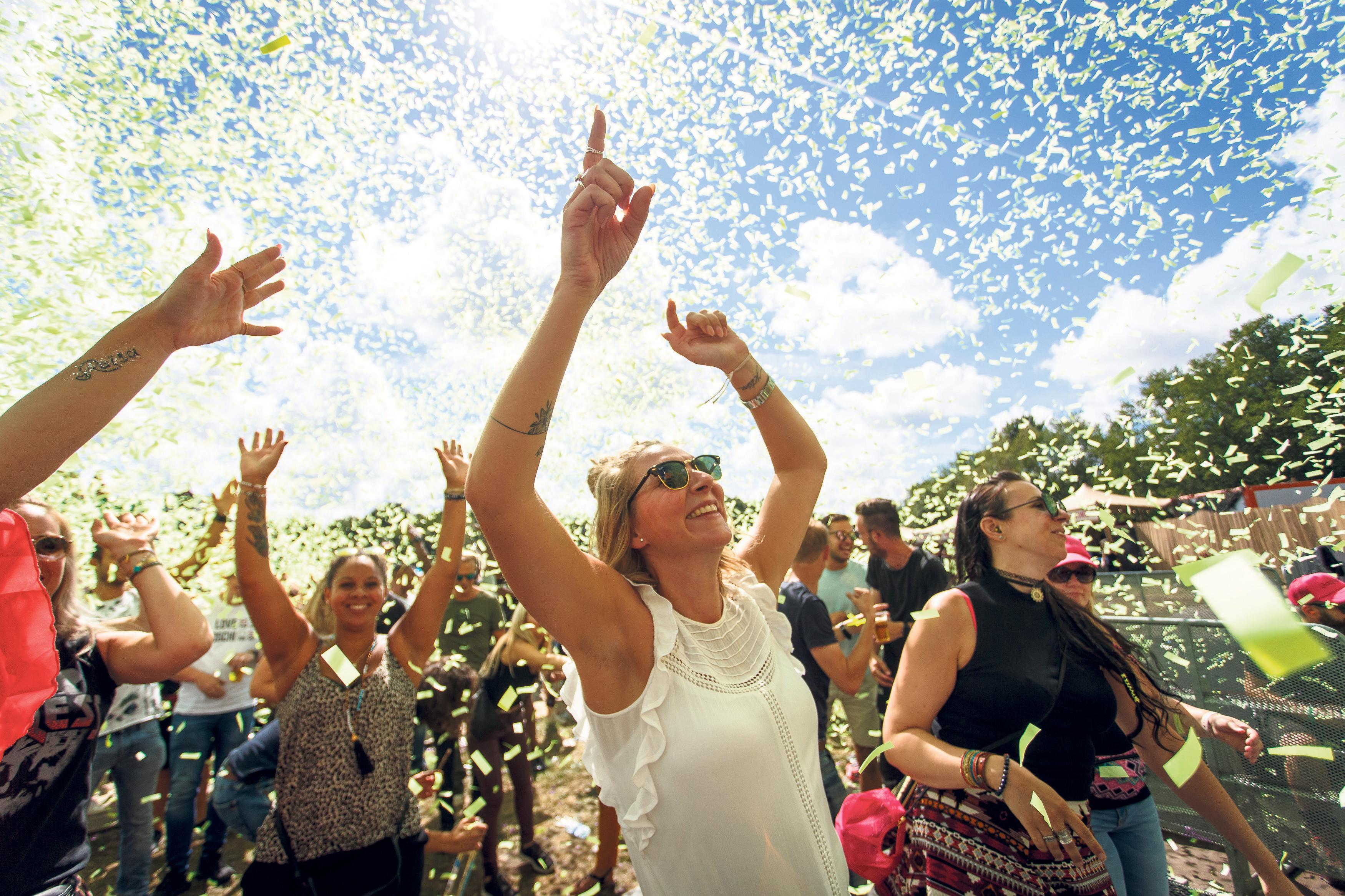 Invoeren 'feesttaks' voor grote evenementen als Dance Valley kan discriminerend zijn: Velsen laat extra onderzoek doen