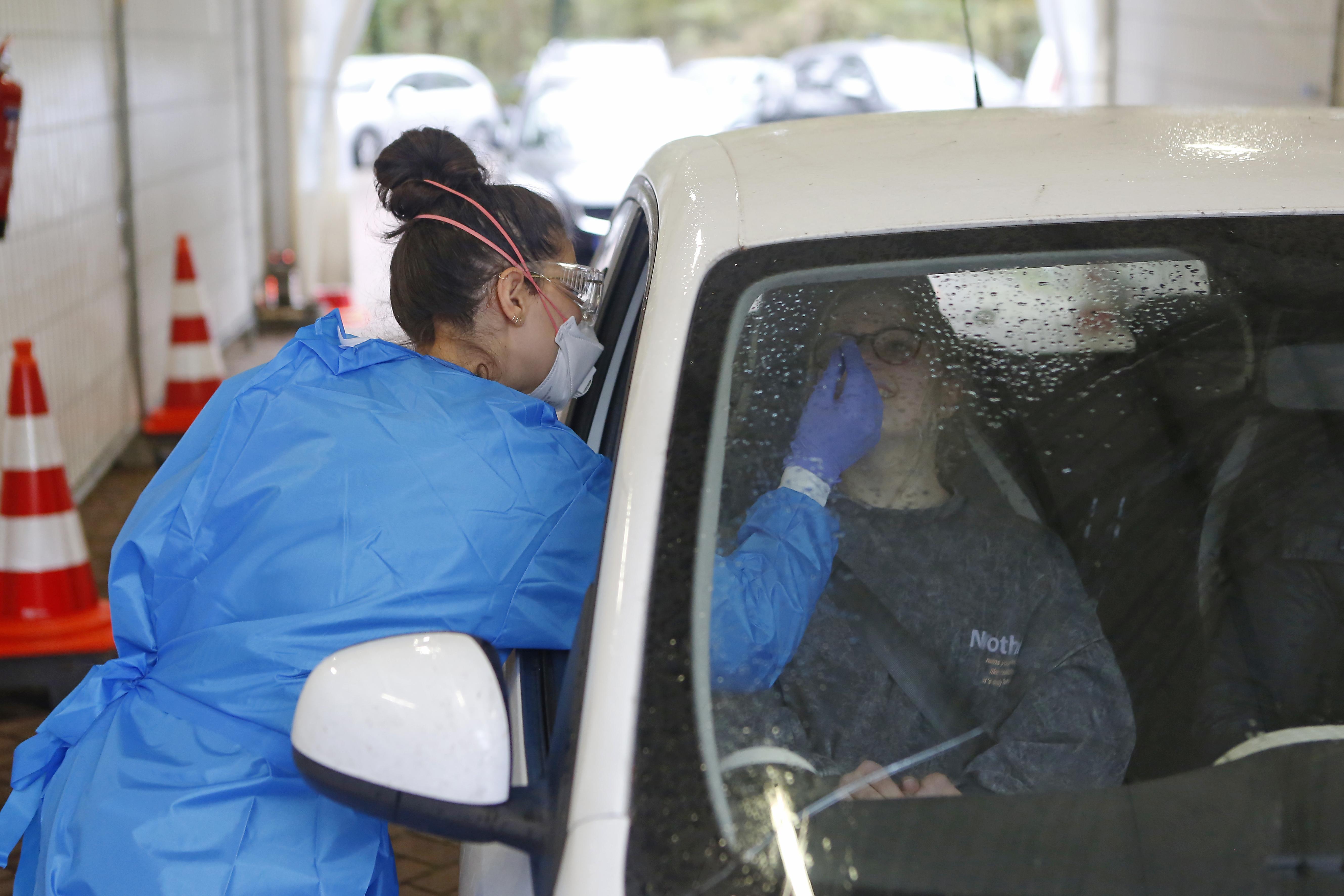 Minder besmettingen in Gooi en Vechtstreek; 'Maar juich niet te vroeg; we houden serieus rekening met een stijging door Black Friday'