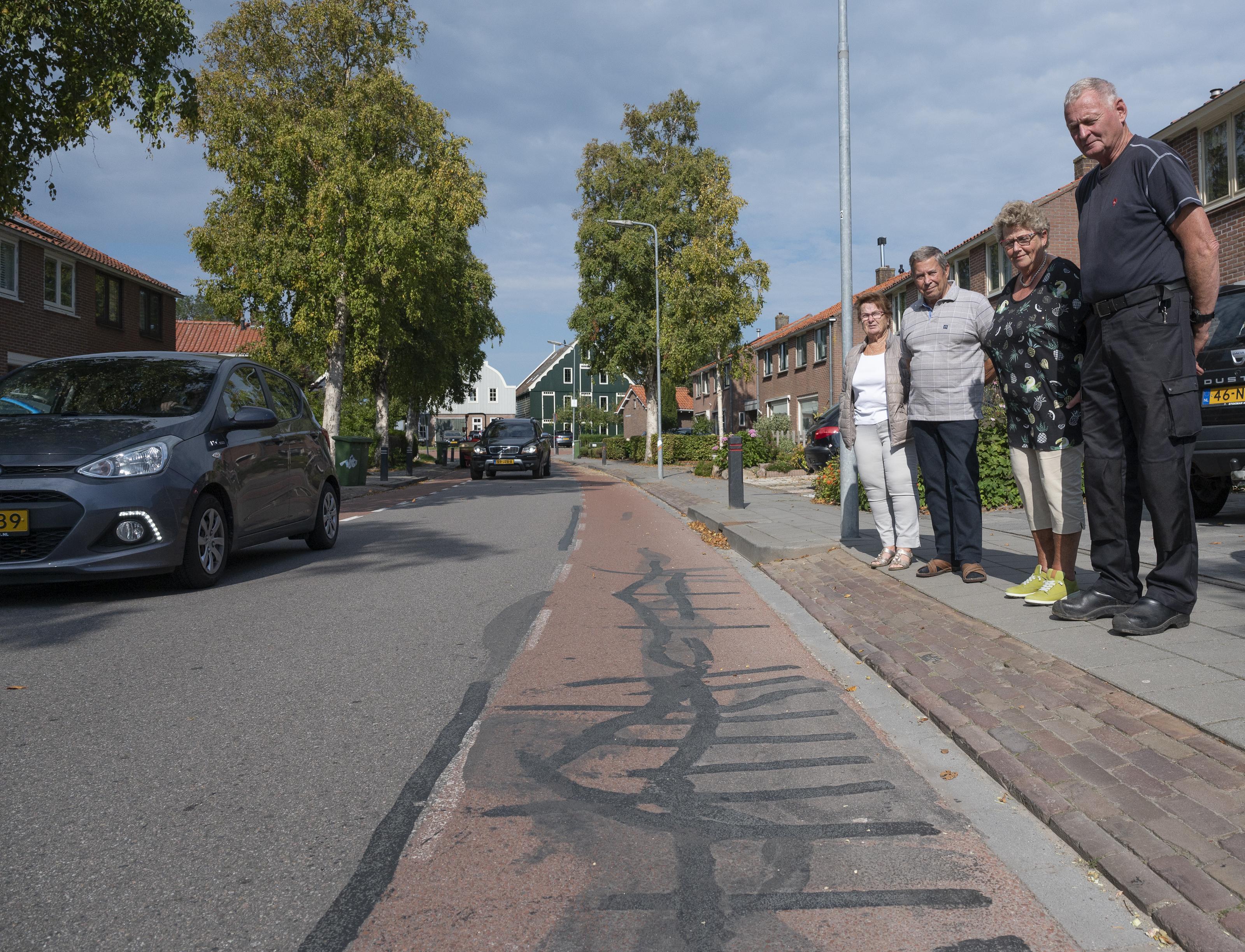 Zeevangs Belang blijft hameren op hinder vrachtauto's door Oosthuizen en opnieuw zegt wethouder Wim Runderkamp daar alles aan te doen: 'Maar overlast volledig wegnemen is een illusie'