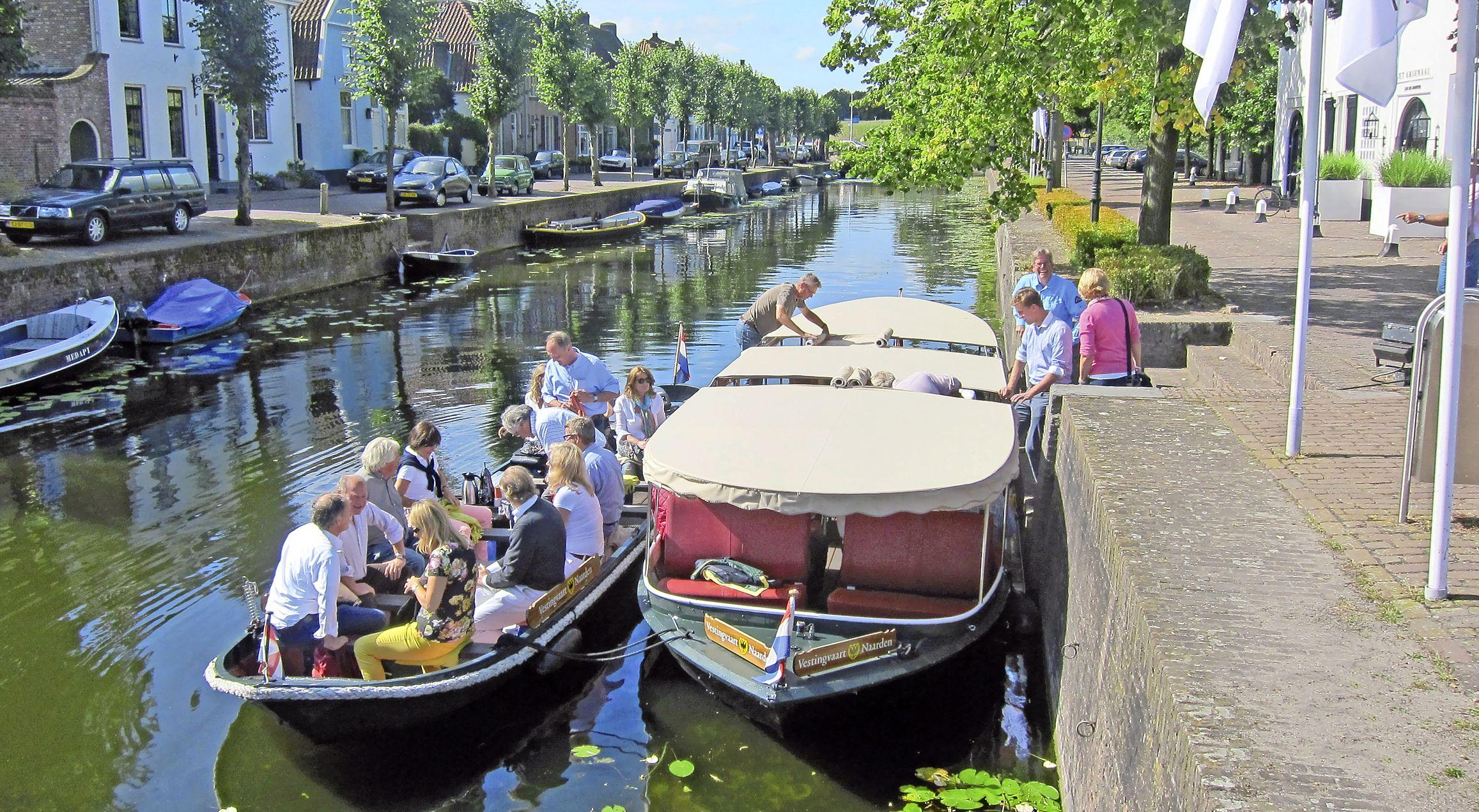 Oprichter en eigenaar Lex Maat stopt met Vestingvaart Naarden: 'Iedere tocht was anders en steeds zag ik weer iets moois'. De Gele Loods neemt het stokje over