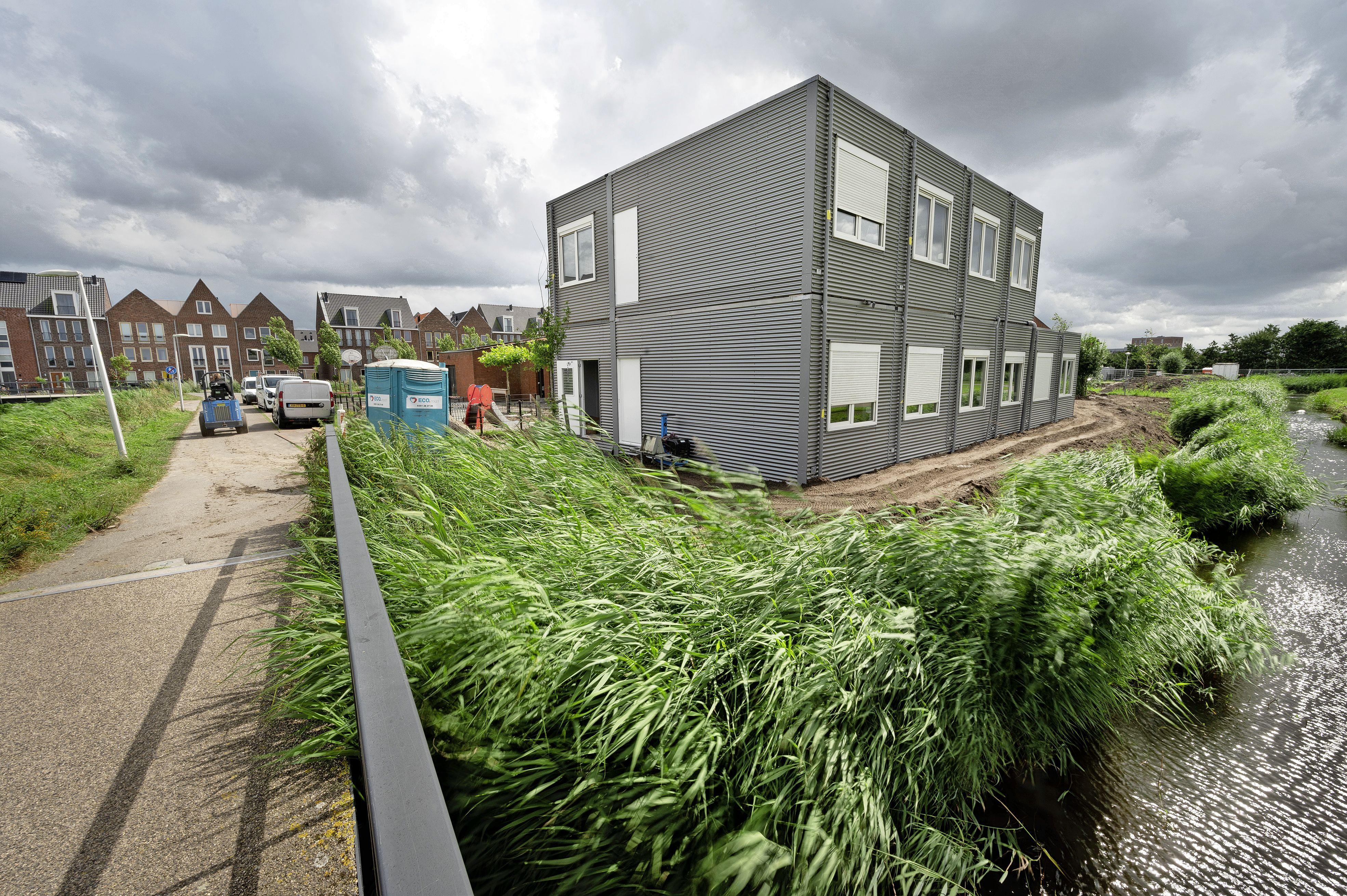 Noodlokalen bij basisschool De Dubbelburg net op tijd voor ingebruikname tijdelijke N206: 'Het was even spannend'
