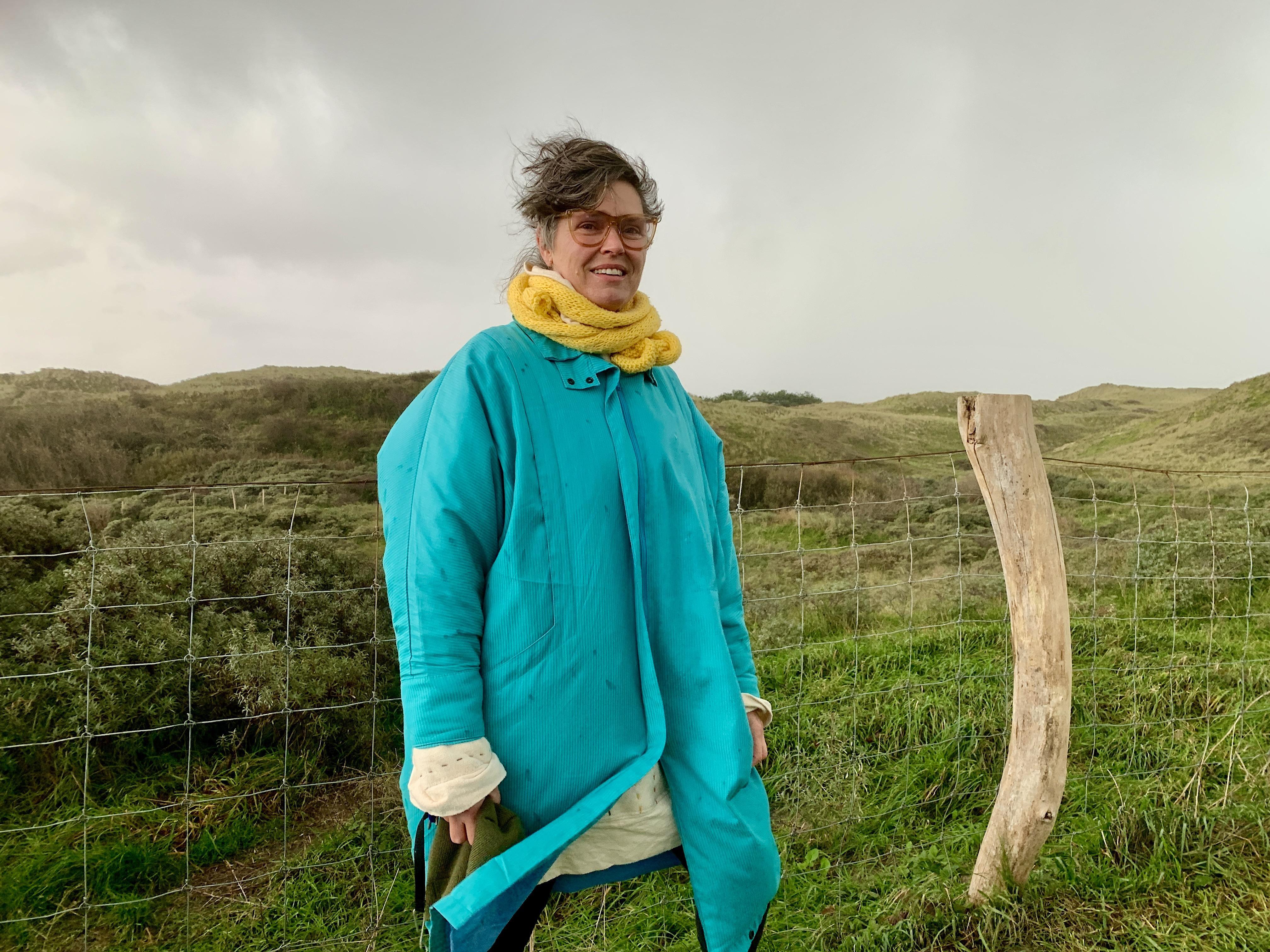 Onderweg: Ilse Stokman (51) is docente Engels en kunstenares. Ze is 'een zoeker'. Aan de vooravond van een sabbatical twijfelt ze over haar toekomst
